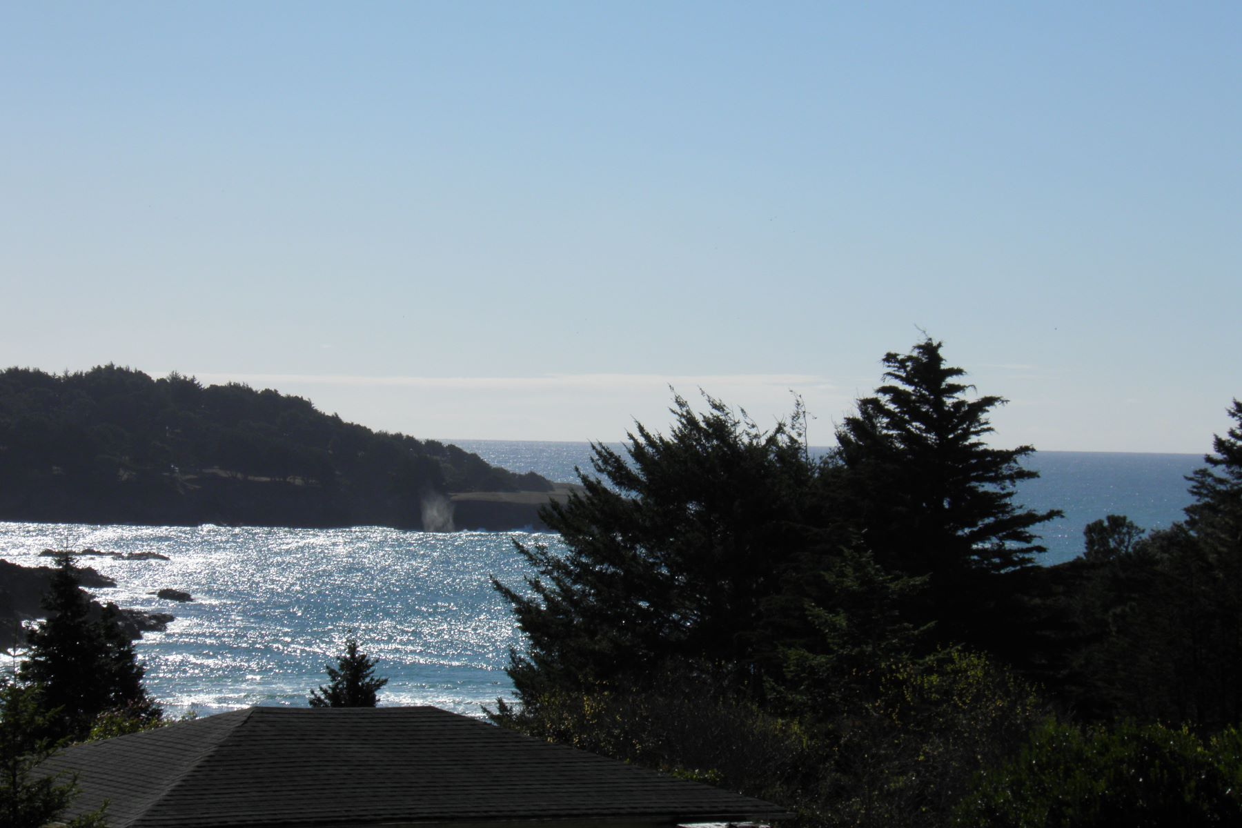 Single Family Home for Sale at Coastal Charm! 44711 Pine Street, Mendocino, California, 95460 United States