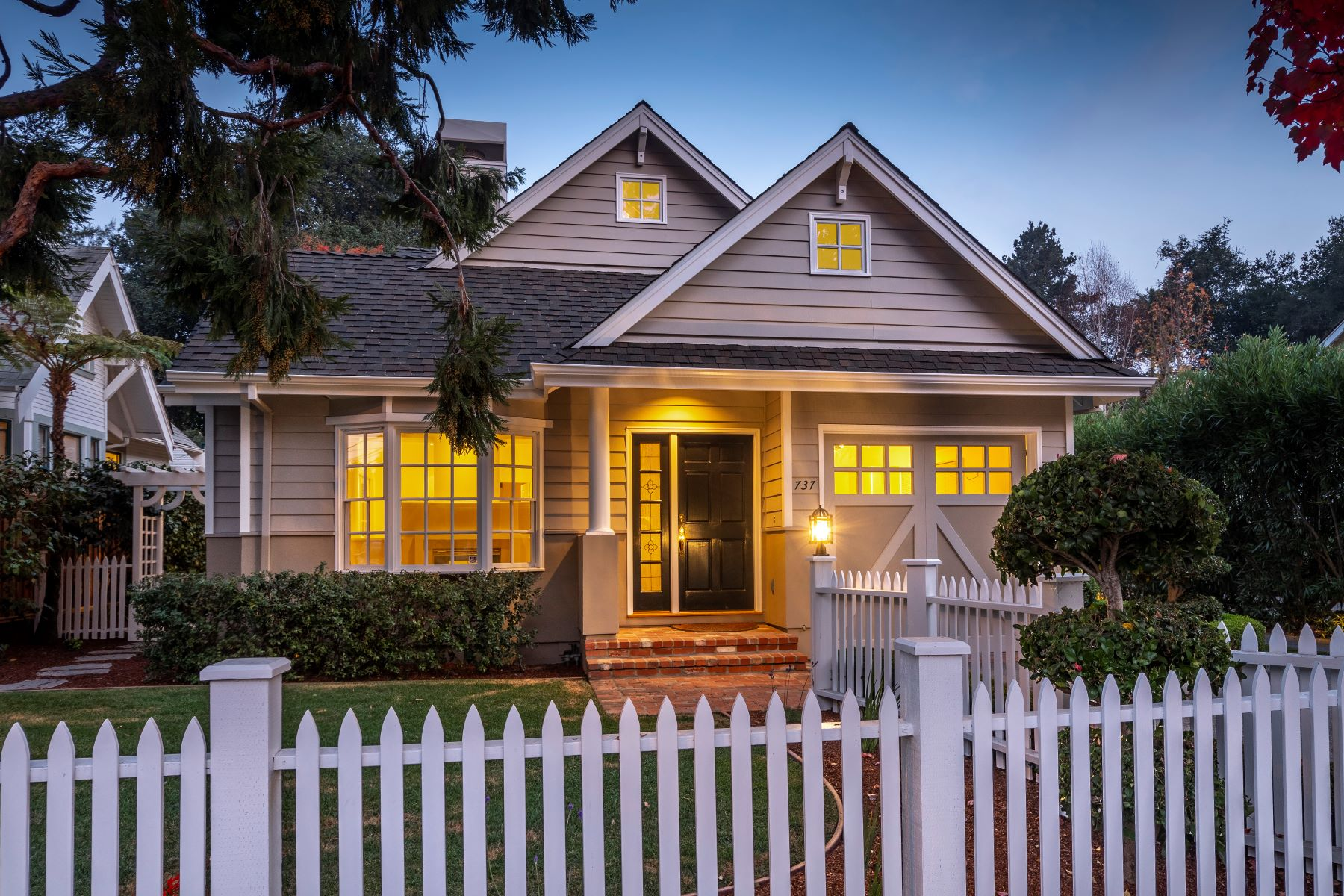 Single Family Home for Active at 737 Harvard Avenue 737 Harvard Avenue Menlo Park, California 94025 United States