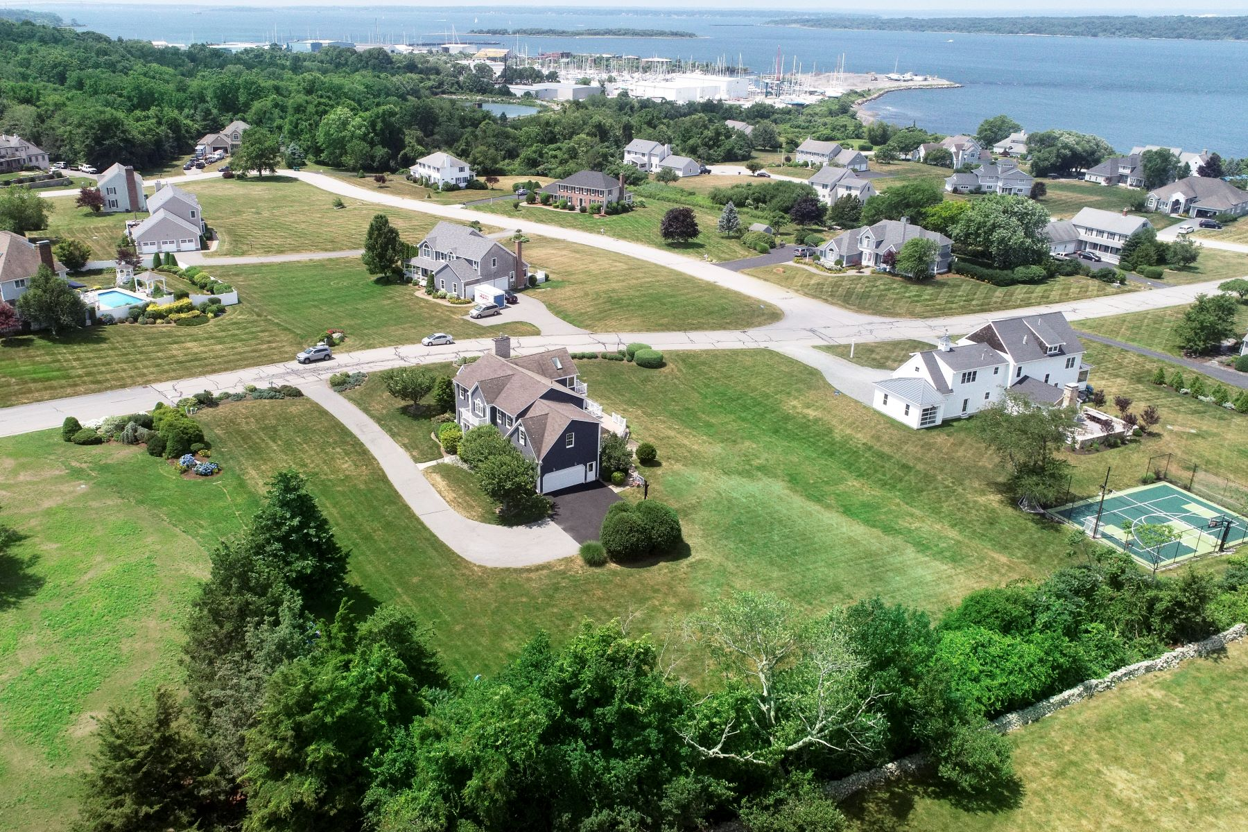 Additional photo for property listing at Beautiful Contemporary with Water Views 237 King Charles Drive Portsmouth, Rhode Island 02871 United States