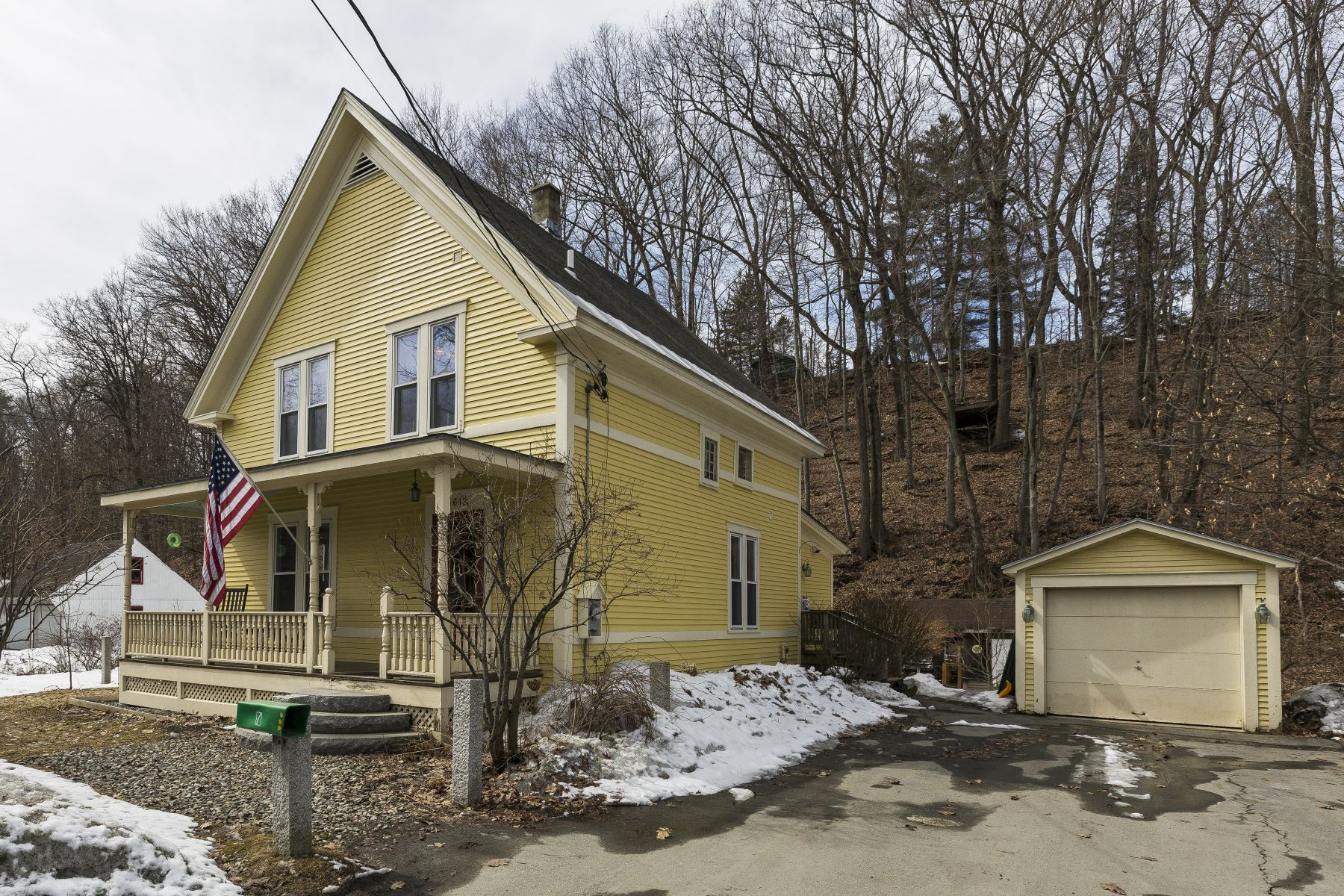Single Family Home for Sale at Three Bedroom NewEnglander in Wilder 1612 Hartford Ave Hartford, Vermont 05001 United States