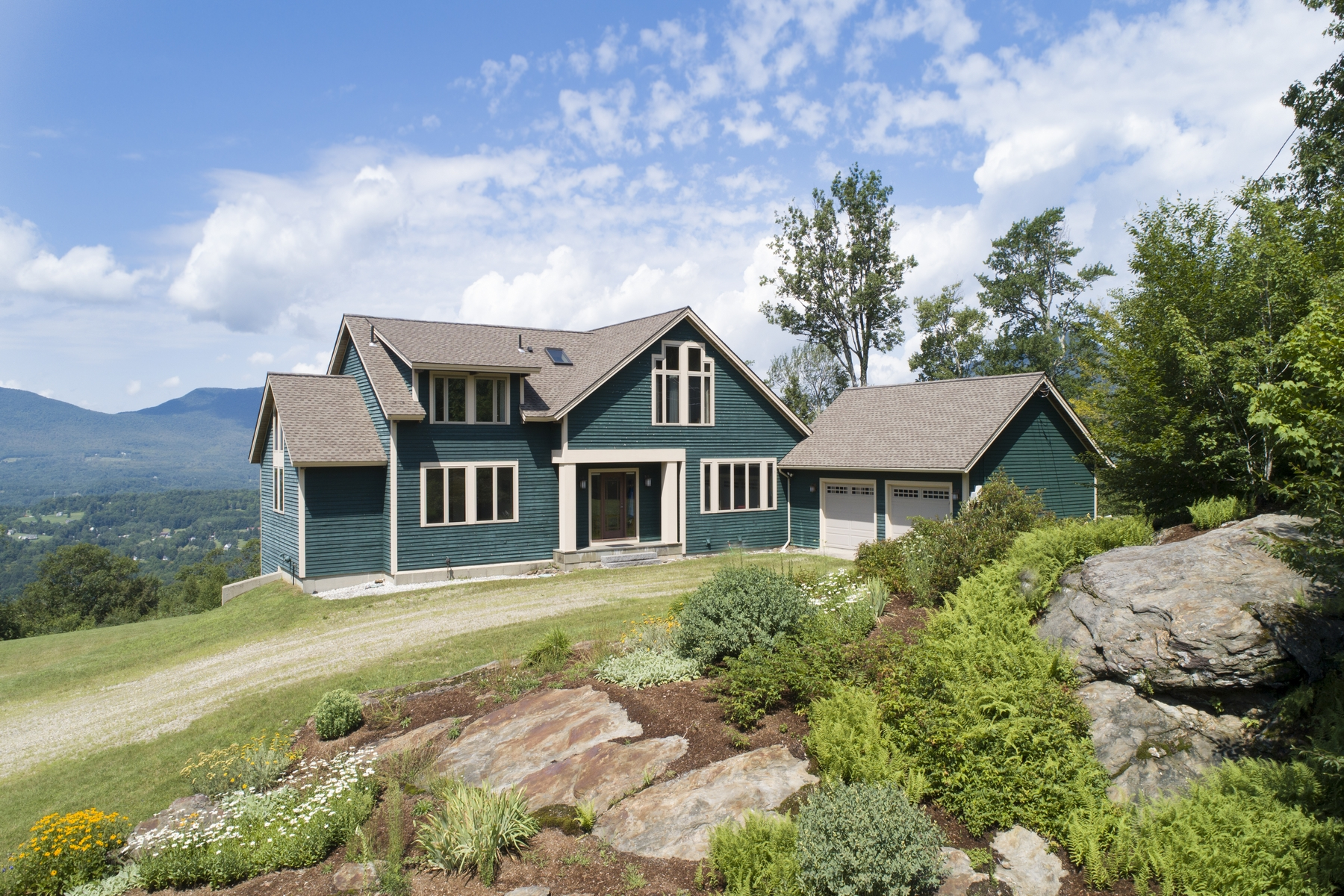 Single Family Homes for Sale at 17 Valley View Road, Winhall 17 Valley View Rd Winhall, Vermont 05340 United States