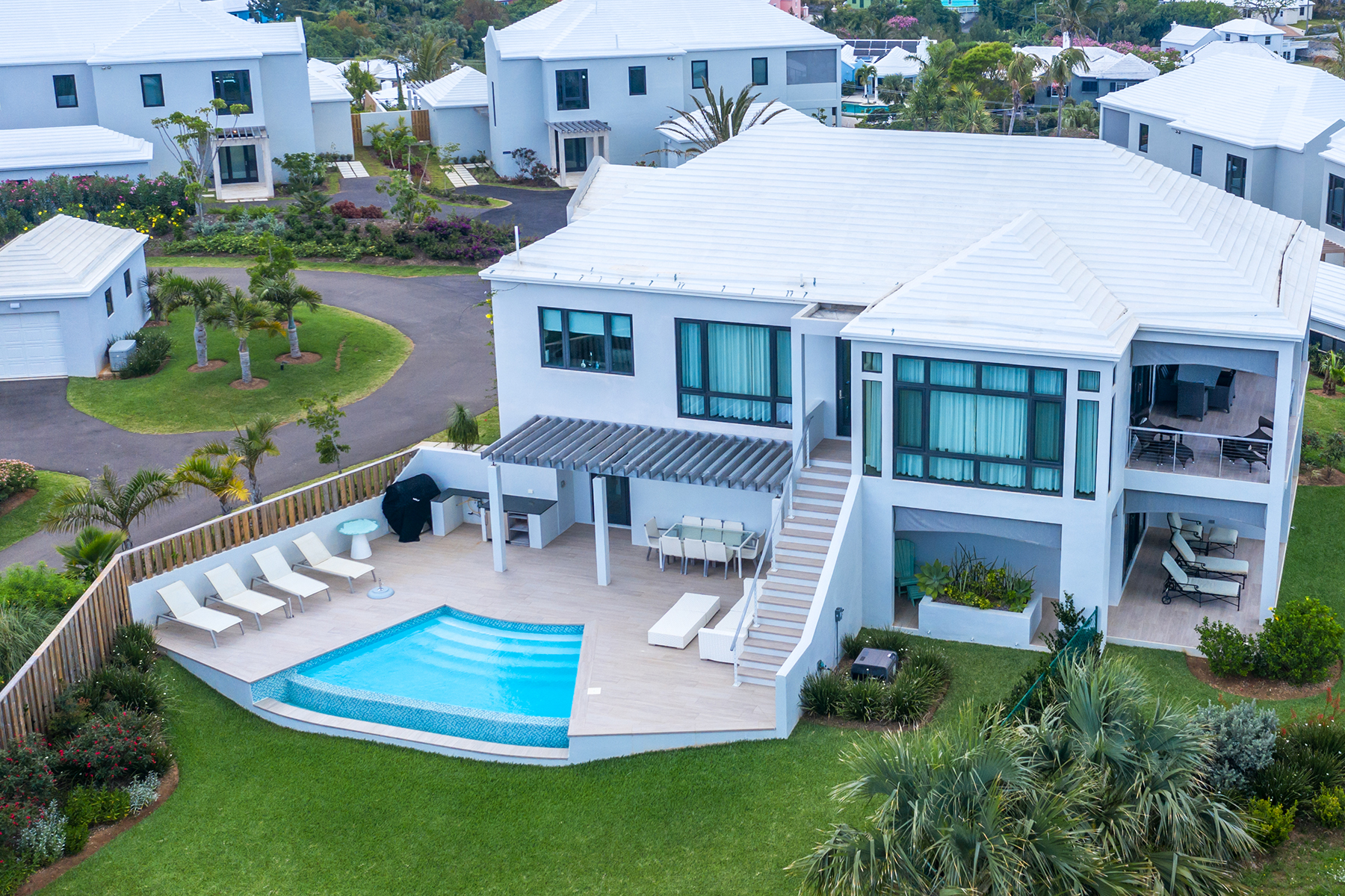 Single Family Homes for Sale at The Villas at The Loren - Sea Sweep 126 South Road Smiths, Other Areas In Bermuda HS 01 Bermuda