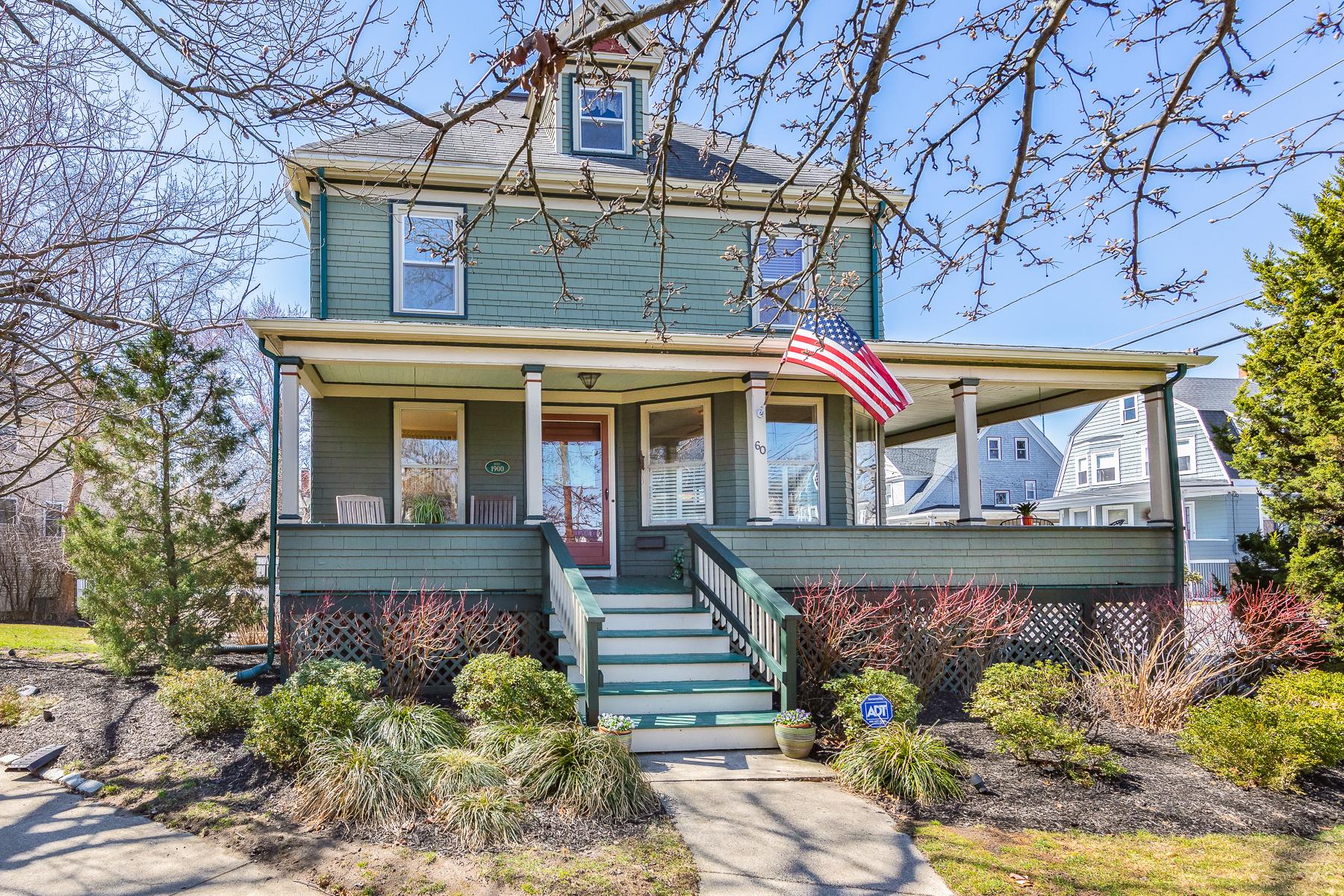 Single Family Homes 为 销售 在 Beautiful and Stately Victorian! 60 Andrew Road 斯瓦姆斯柯特, 马萨诸塞州 01907 美国
