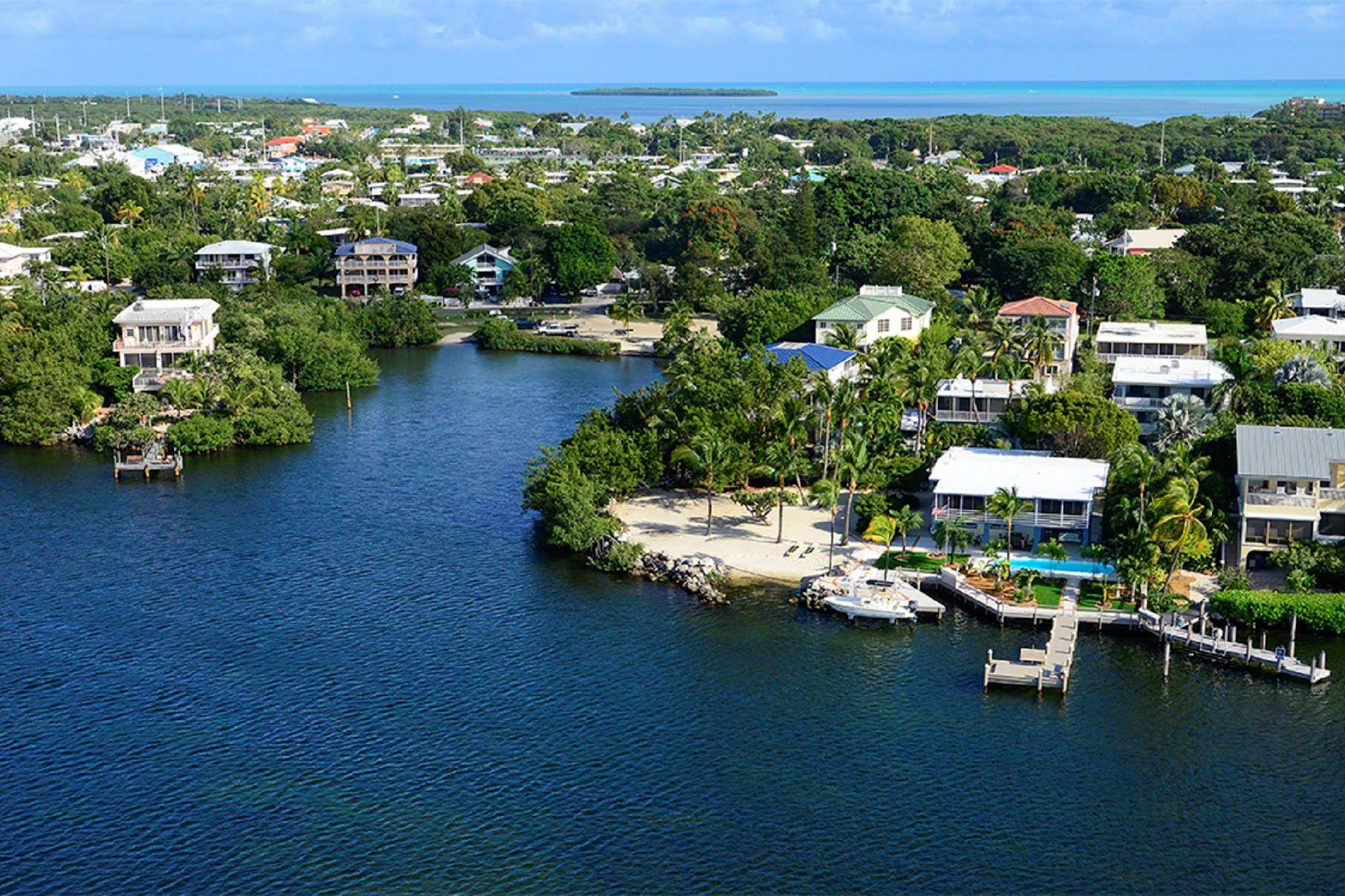 Terreno por un Venta en Bayfront Parcel 436 S Coconut Palm Blvd Islamorada, Florida, 33070 Estados Unidos