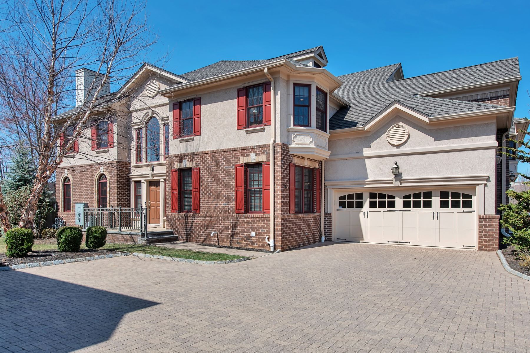 townhouses for Sale at Spacious And Bright 15 Green Way New Providence, New Jersey 07974 United States