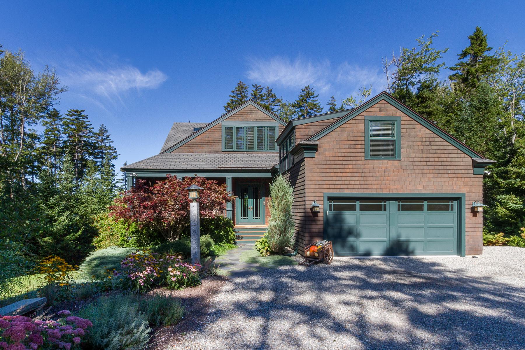 Maison unifamiliale pour l Vente à 91 Jones Point Road South Bristol, Maine, 04568 États-Unis