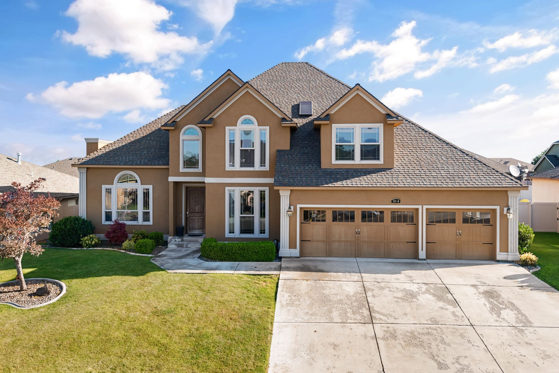 Single Family Homes for Sale at Heights at Canyon Lakes 3904 W 47th Avenue Kennewick, Washington 99337 United States