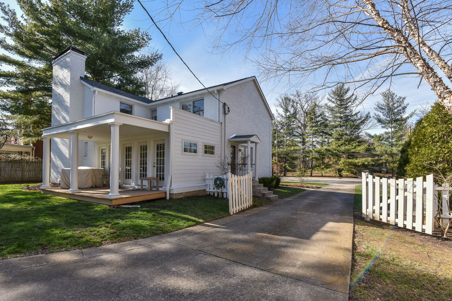 Additional photo for property listing at 2948 Lexington Road 2948 Lexington Road Louisville, Kentucky 40206 United States