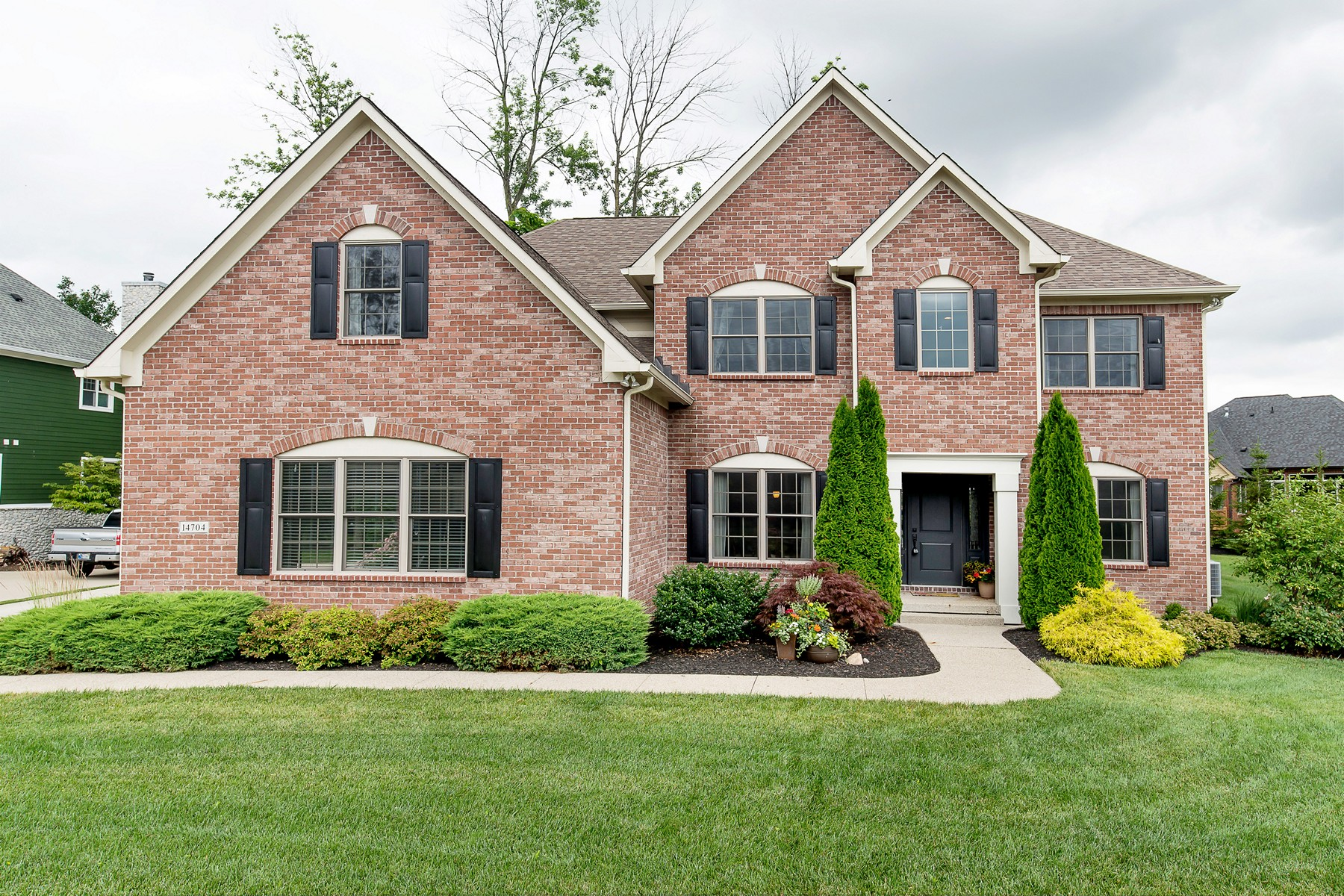Single Family Home for Sale at Quality Custom Home on Quiet Street 14704 Whispering Breeze Drive Fishers, Indiana 46037 United States