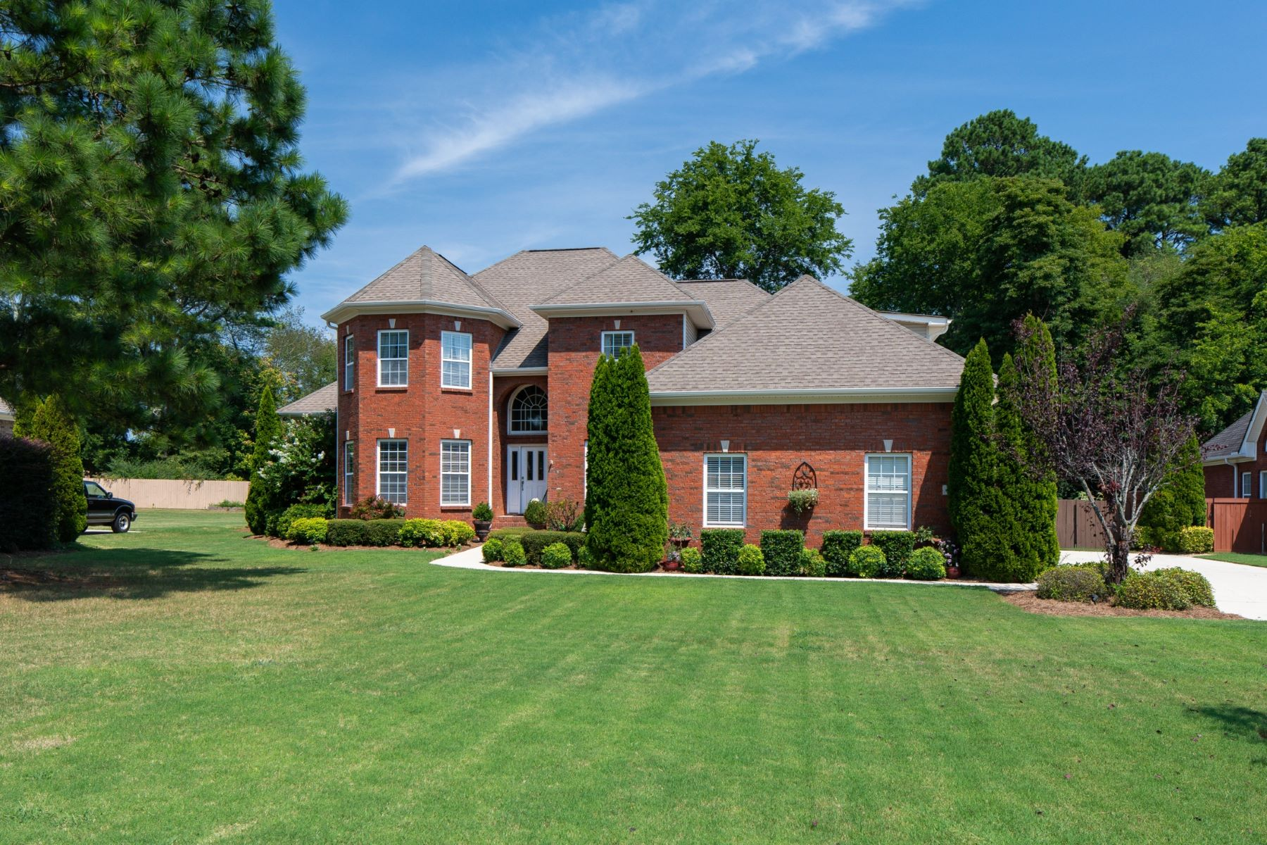Single Family Homes for Active at 109 Old Orchard Drive Huntsville, Alabama 35811 United States
