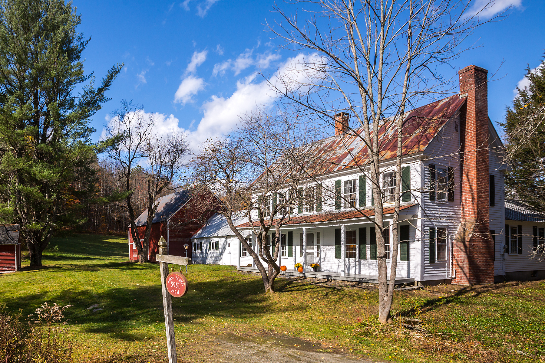 Single Family Homes for Sale at Classic c.1810 Farmhouse 5951 Grafton Rd Townshend, Vermont 05353 United States