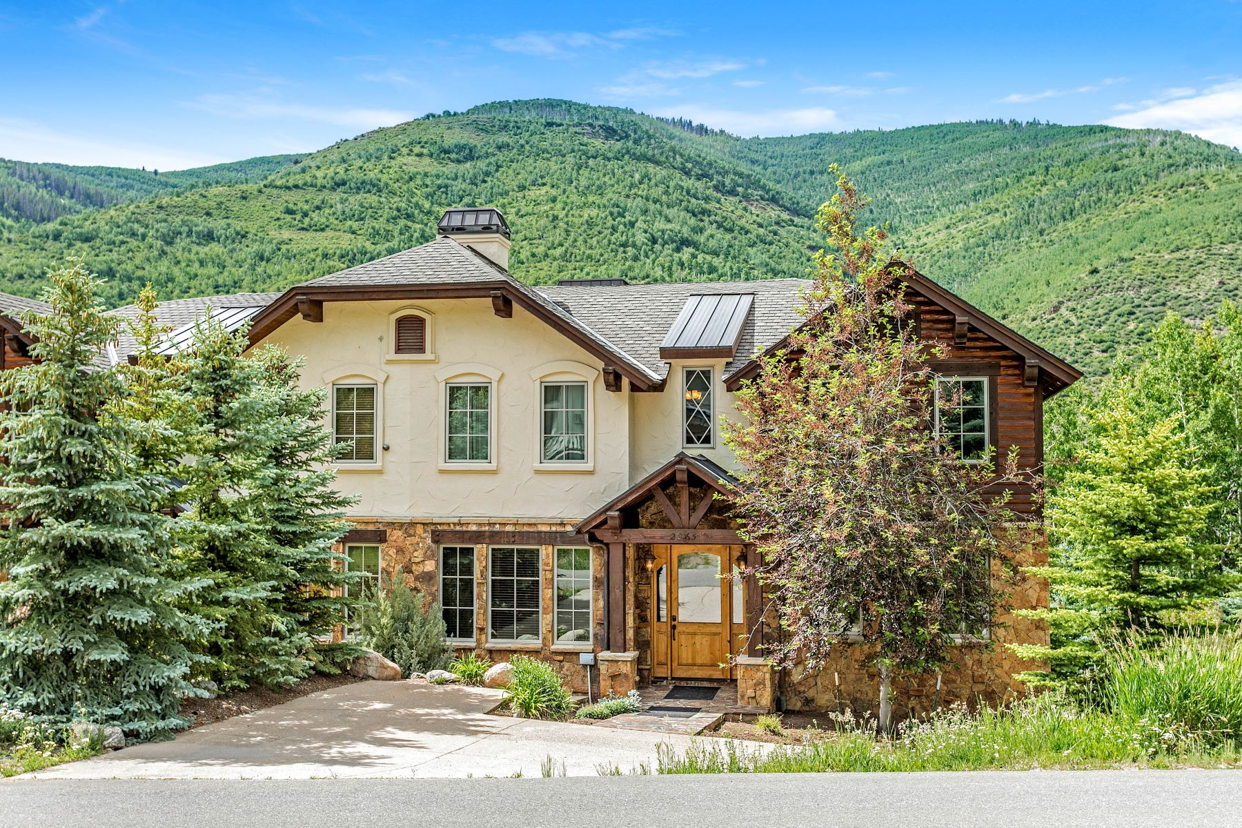 Duplex for Active at Mountainside Gem With An Endless Adventure 2065 Vermont Road Vail, Colorado 81657 United States