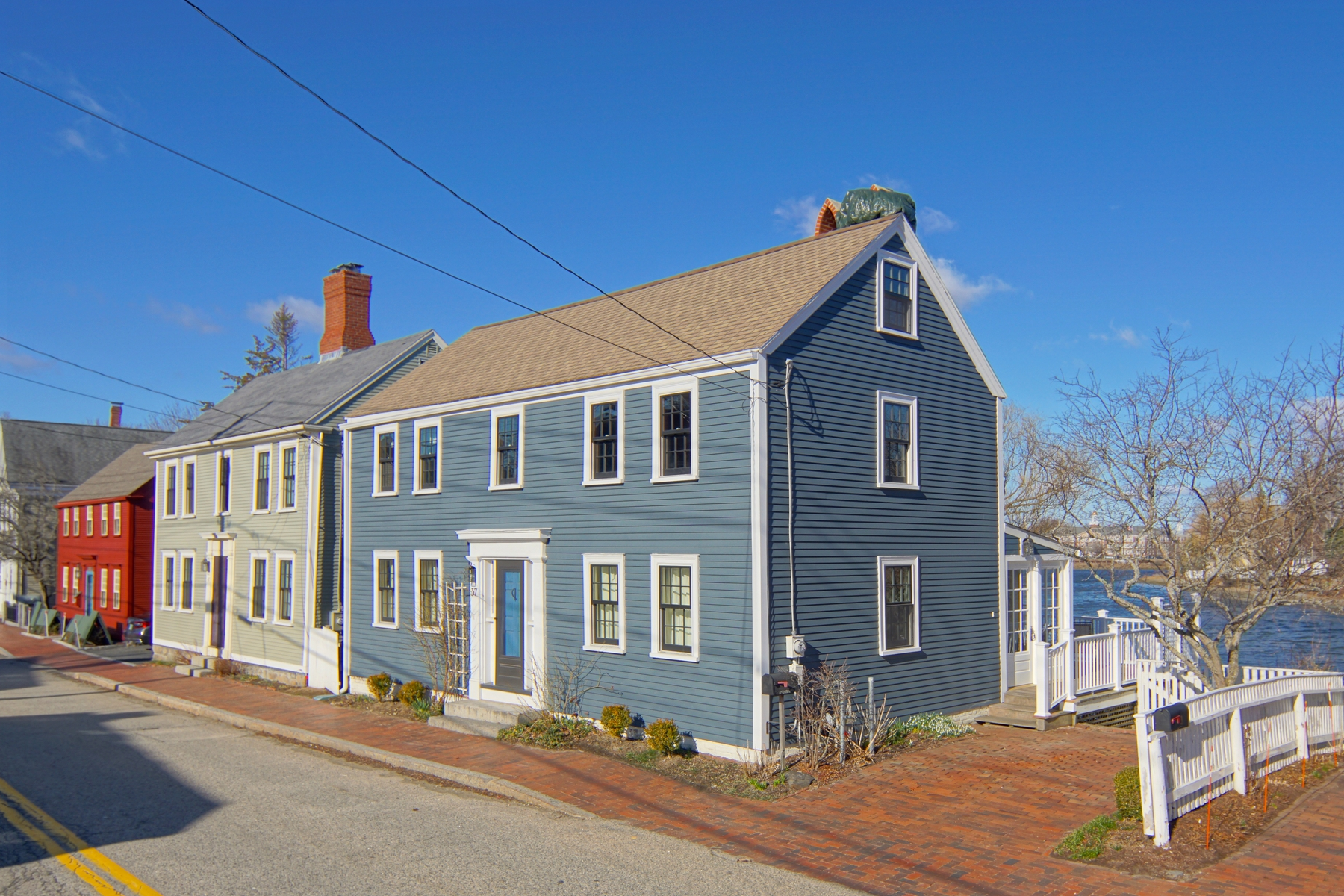 Single Family Home for Sale at On Portsmouth's Pastoral South Mill Pond 37 South Street Portsmouth, New Hampshire 03801 United States
