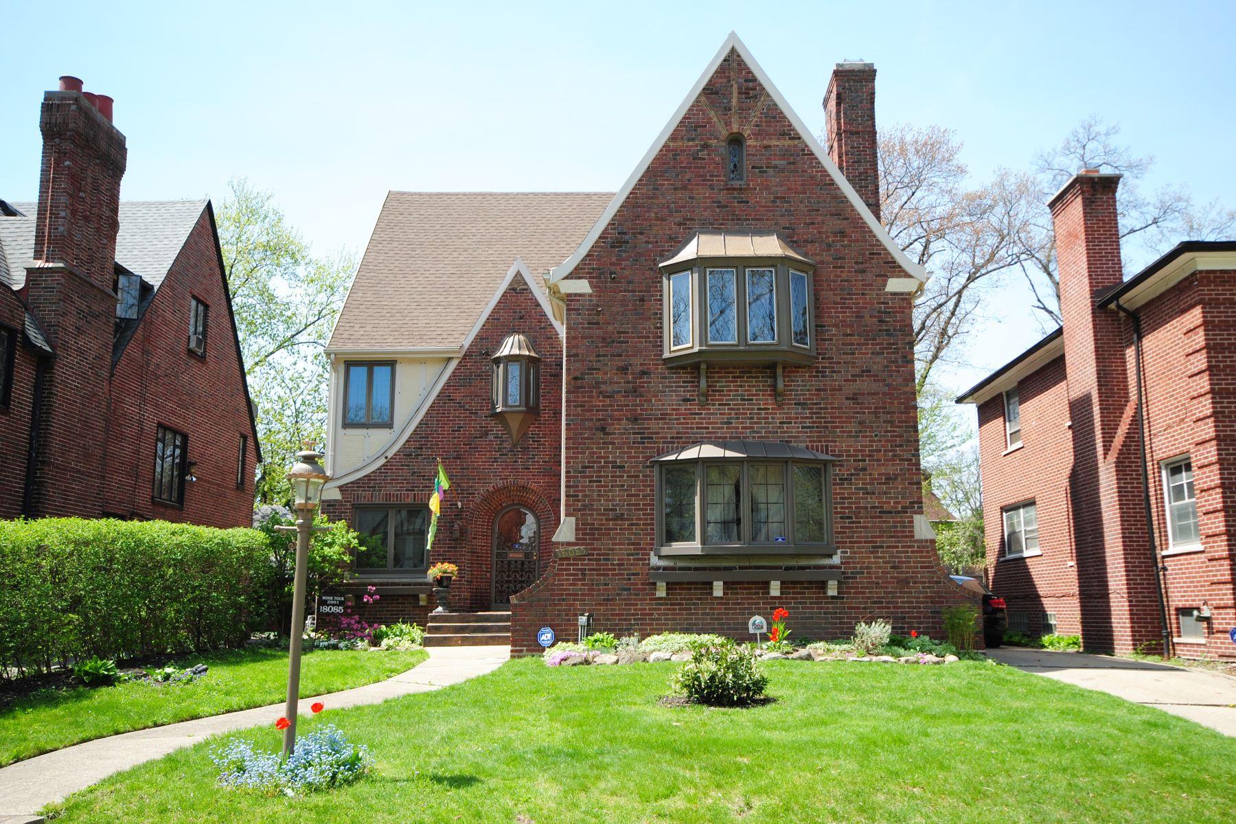 独户住宅 为 销售 在 Detroit 18085 Parkside Street Detroit, 密歇根州, 48221 美国