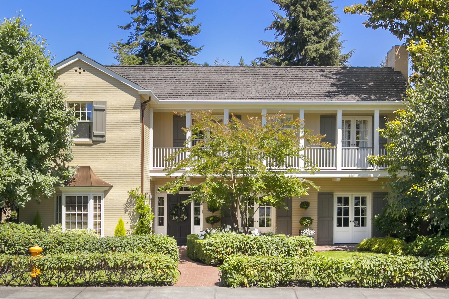 Частный односемейный дом для того Продажа на 1550 Shenandoah Dr E Seattle, Вашингтон 98112 Соединенные Штаты