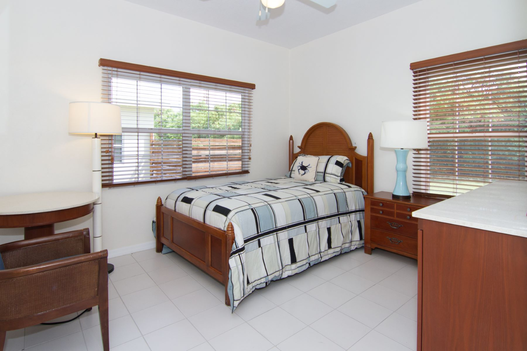 Additional photo for property listing at Ocean Breeze #3 East End, Gran Caimán Islas Caimán
