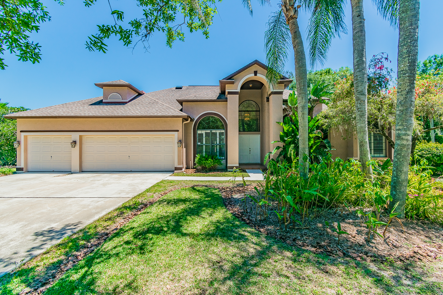 Single Family Homes for Active at VALRICO 4212 Thistle Terrace Pl Valrico, Florida 33596 United States