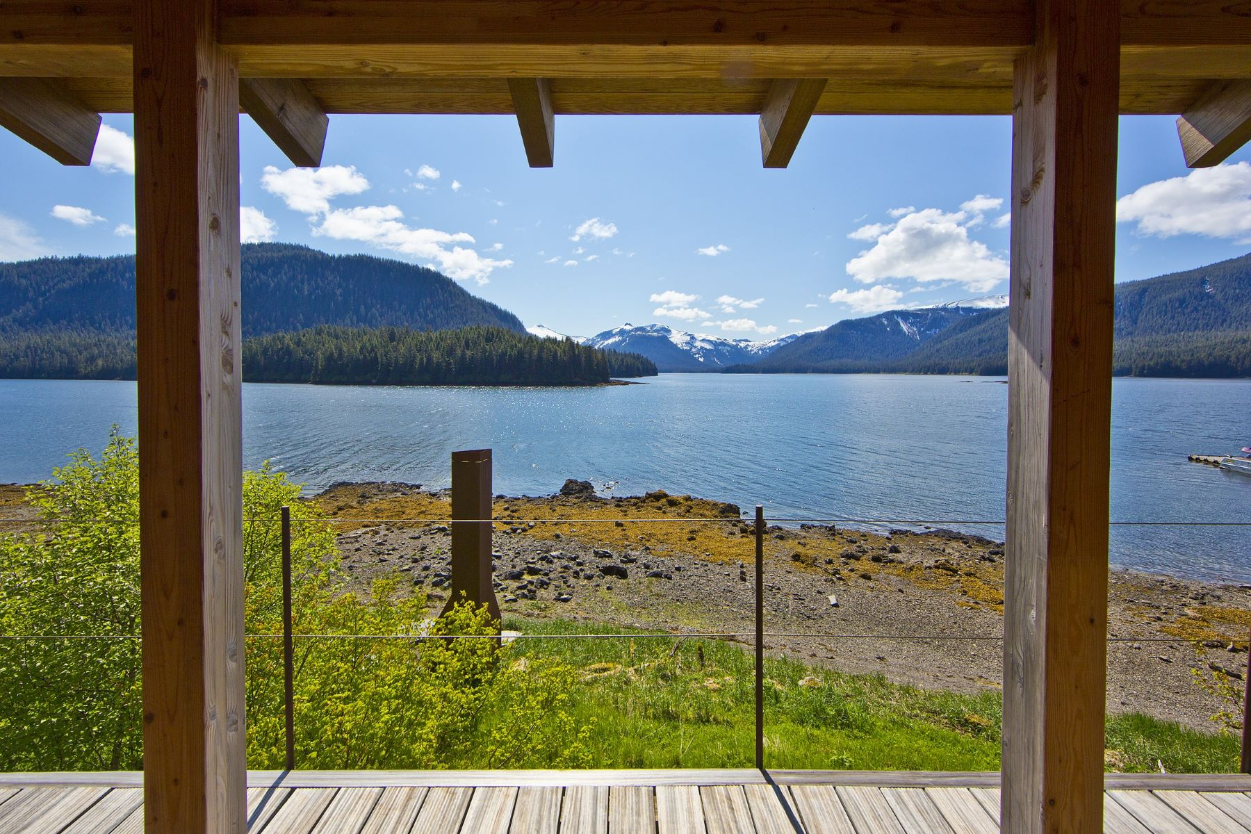 Additional photo for property listing at Hidden Bay Retreat Hidden Bay Admiralty Island, Alaska 99801 United States