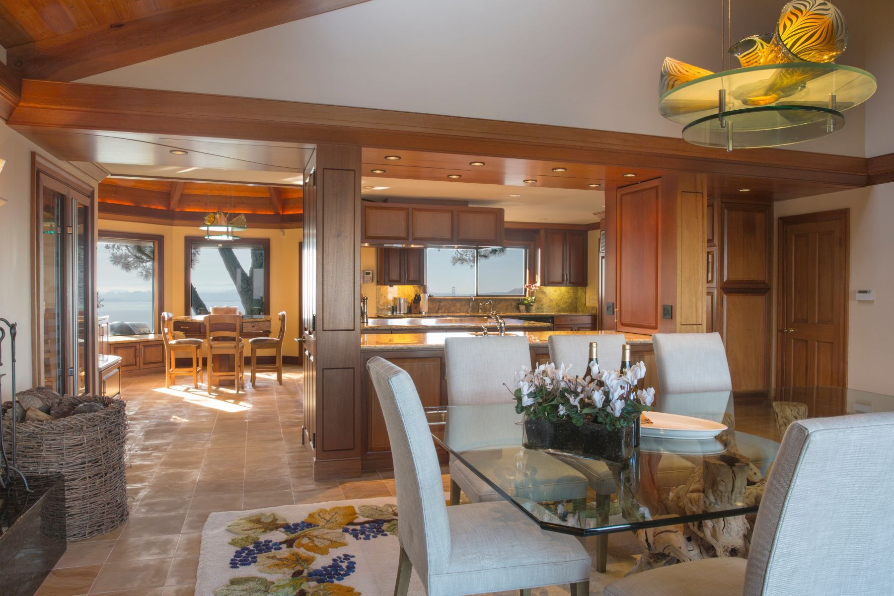 Additional photo for property listing at The Ceiling of the World 15 Place Moulin Tiburon, California 94920 United States