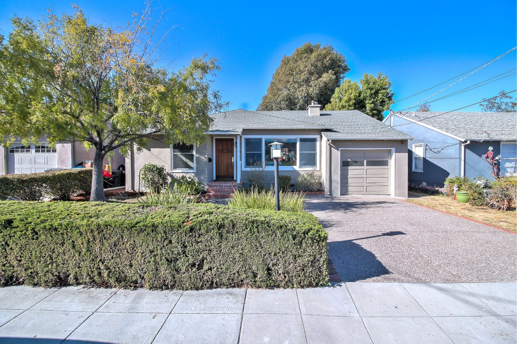Single Family Home for Active at Sunny San Mateo Charmer 556 31st Avenue San Mateo, California 94403 United States