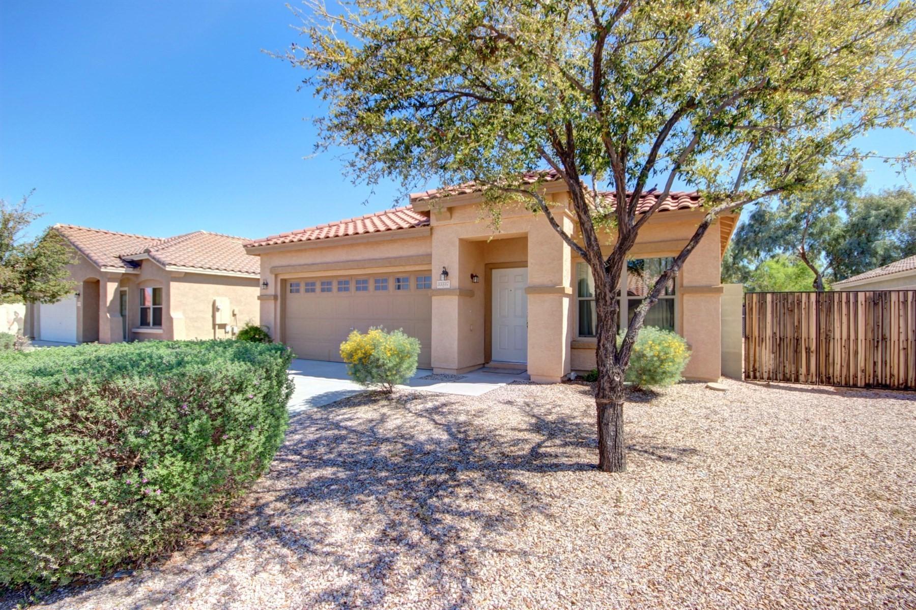 独户住宅 为 销售 在 Charming and spacious remodel in San Tan Heights 33337 N Sonoran Trl 昆克里克, 亚利桑那州, 85142 美国