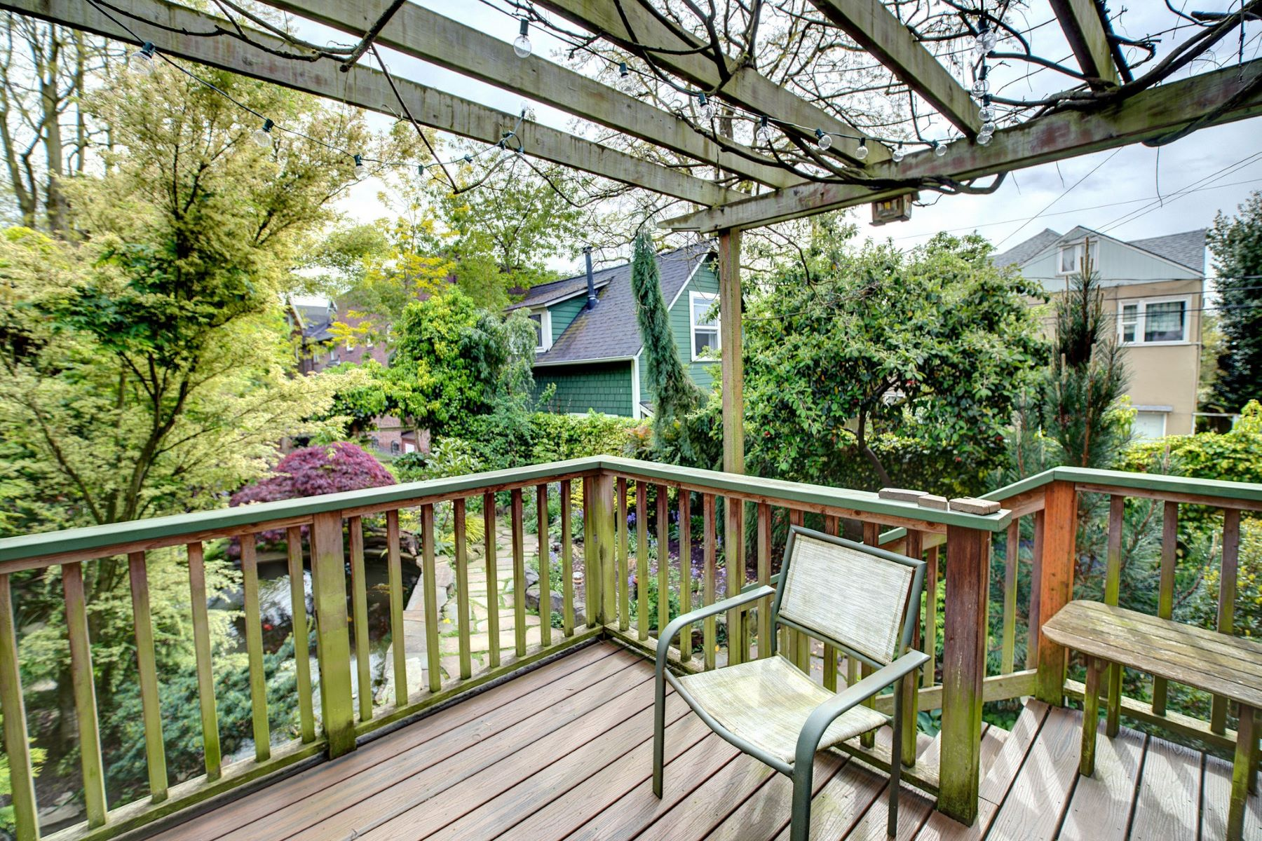 Additional photo for property listing at Capitol Hill Duplex, Endless Options 1419 E John Street Seattle, Washington 98112 United States