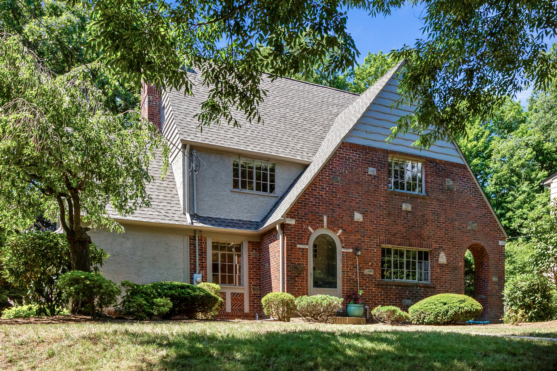 Single Family Homes for Active at 350 Fairmount Rd Ridgewood, New Jersey 07450 United States