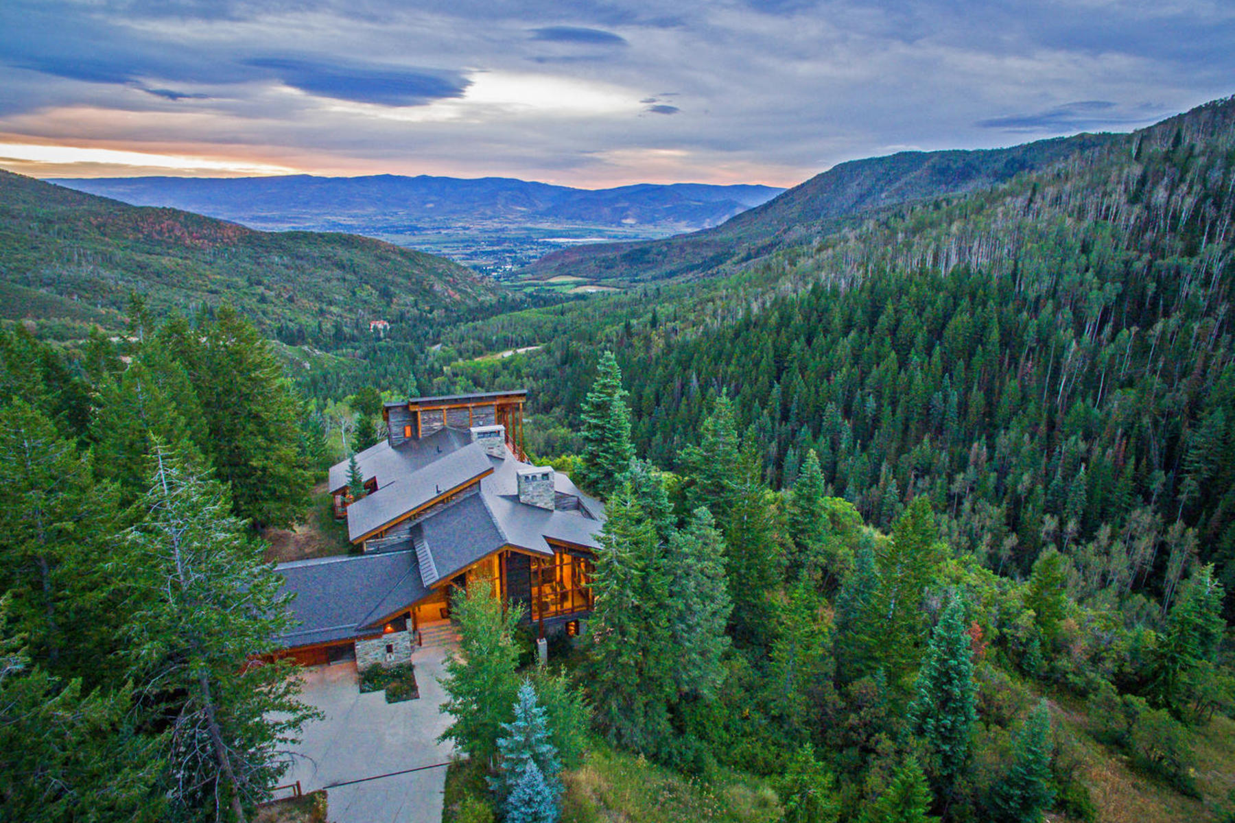 Casa Unifamiliar por un Venta en 331 Acre Estate Surrounded by Forest Land in Snake Creek Canyon 3888 Seymour Rd Midway, Utah, 84049 Estados Unidos