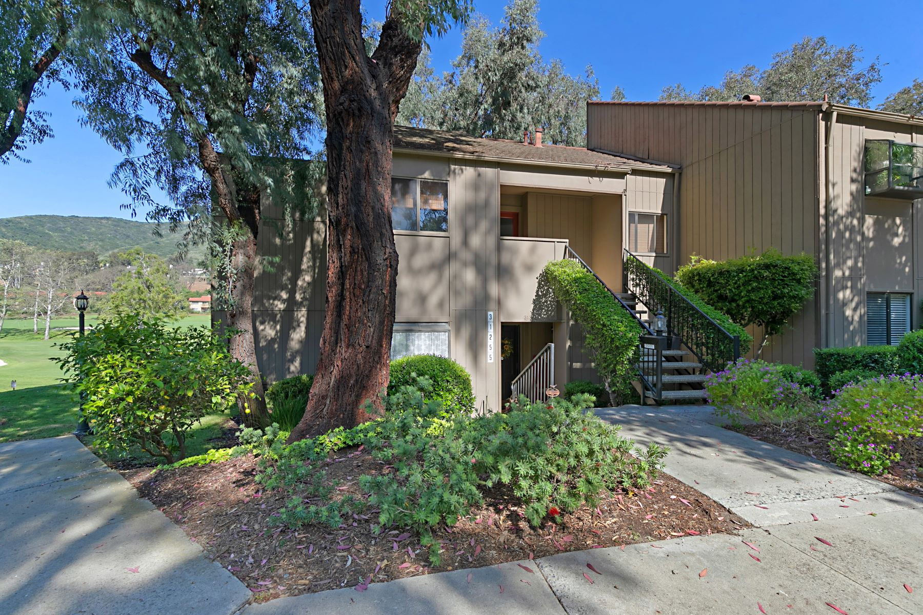 Condominiums for Active at 31255 E Nine Drive Unit#15F 31255 E Nine Dr #15F Laguna Niguel, California 92677 United States