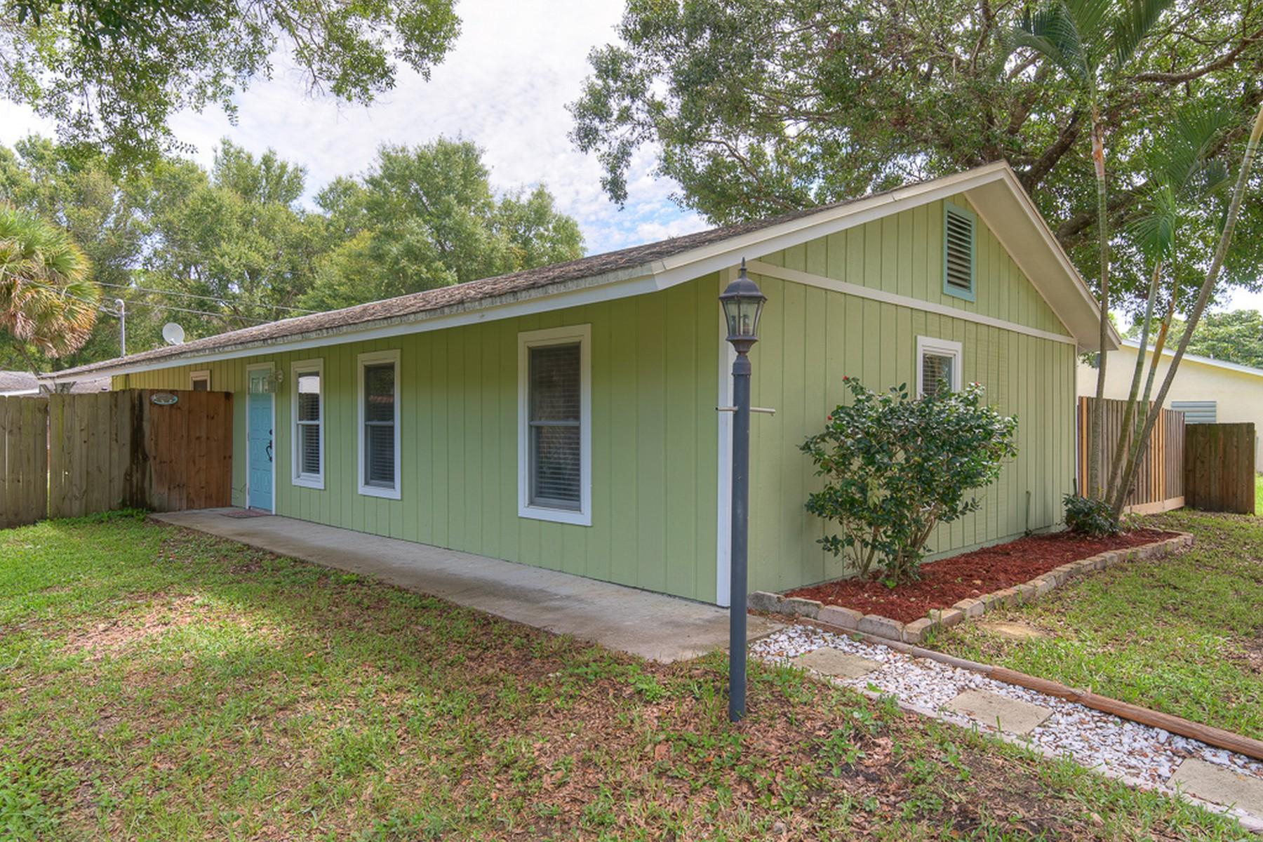Villa per Vendita alle ore Adorable Key West Style Bungalow 3320 2nd Street Vero Beach, Florida, 32968 Stati Uniti