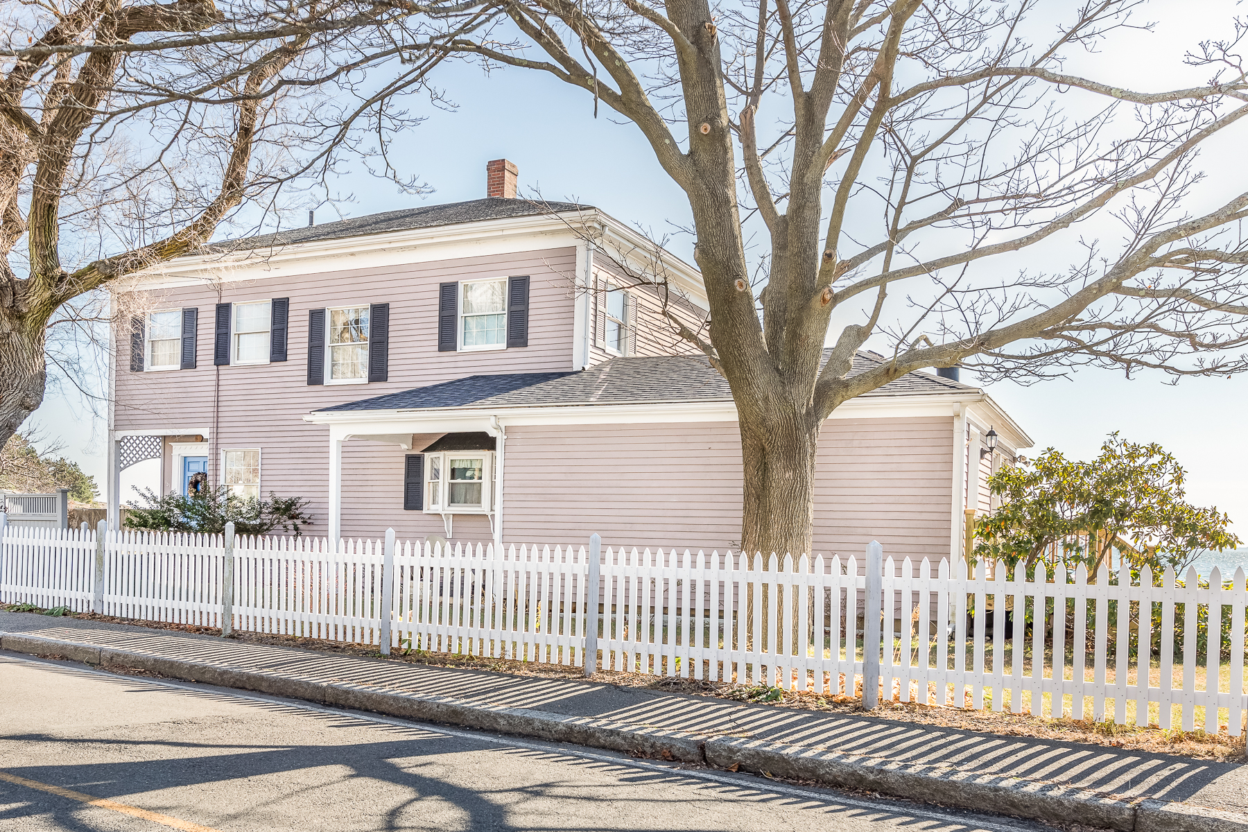 Single Family Homes for Active at Expansive Views 151 Bass Point Road Nahant, Massachusetts 01908 United States