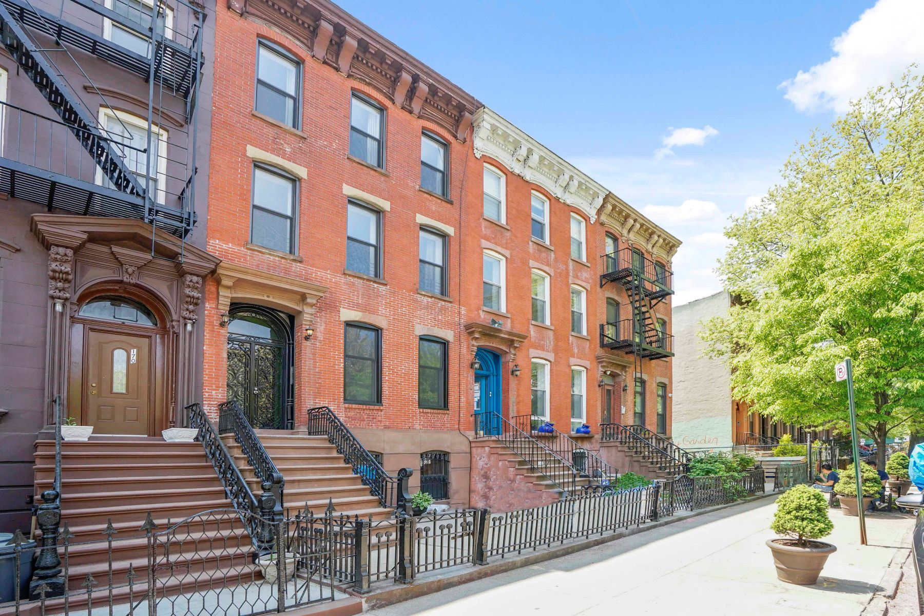 Casa Multifamiliar por un Venta en 168 Lefferts Place 168 Lefferts Place Brooklyn, Nueva York 11238 Estados Unidos