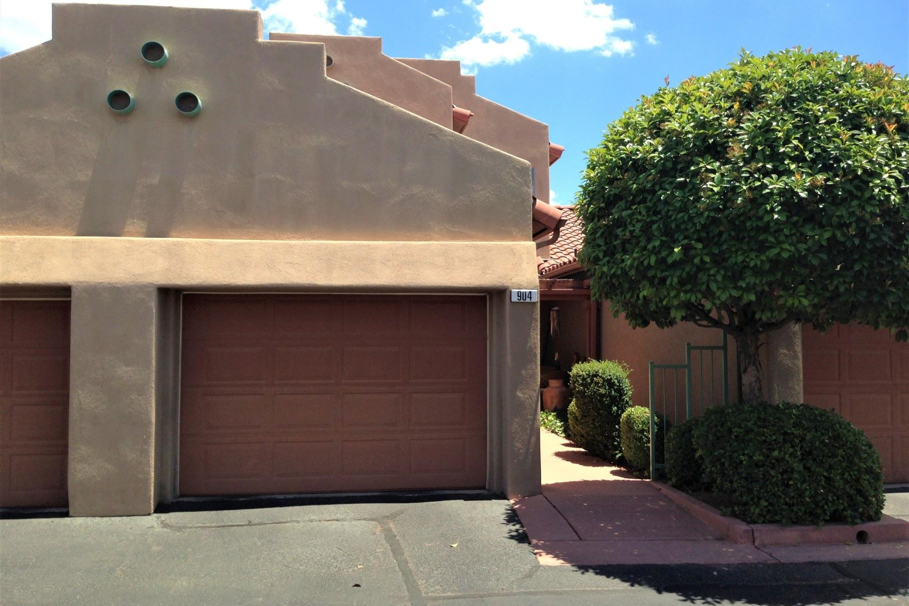Moradia para Venda às Bigger 2-story townhouse in Nepenthe 904 Cliff Rose Court Sedona, Arizona, 86336 Estados Unidos