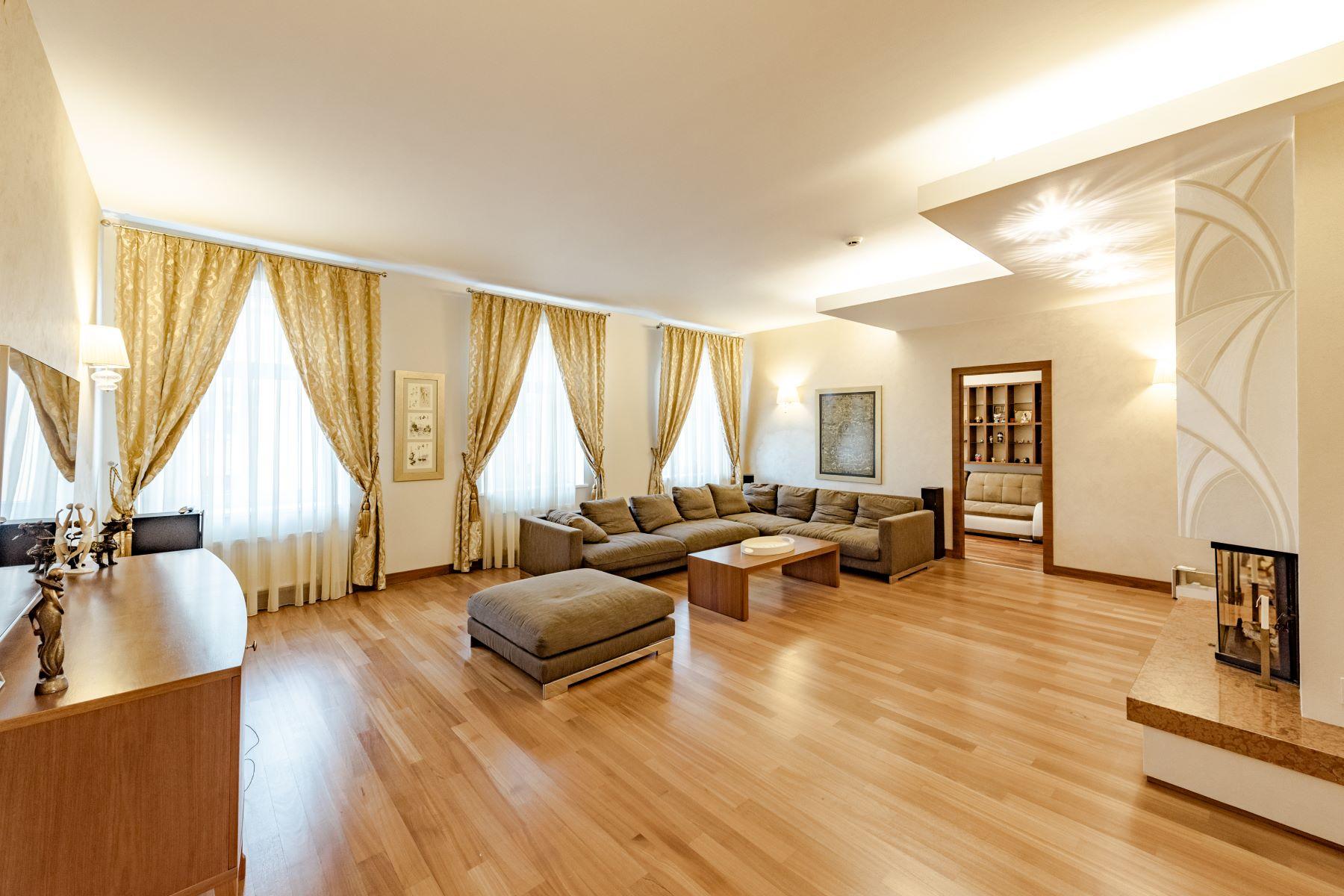 Appartement pour l à vendre à Four bedroom apartment in the prestigious Quiet Centre of Riga Antonijas Street, Riga, Autres Régions De Lettonie, LV1010 Lettonie