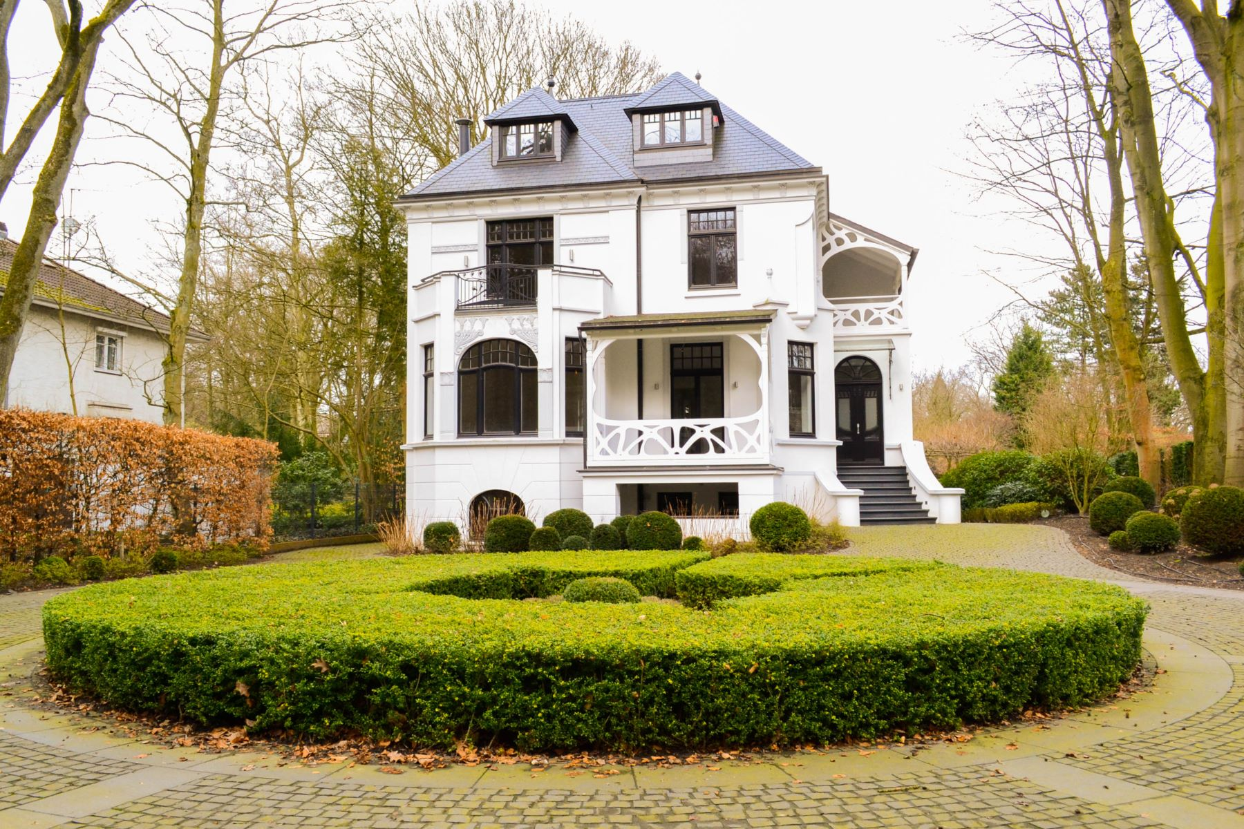 Single Family Home for Sale at Magnificent historical villa in Hamburg, Blankenese Elbchaussee 460 Hamburg, Hamburg, 22587 Germany