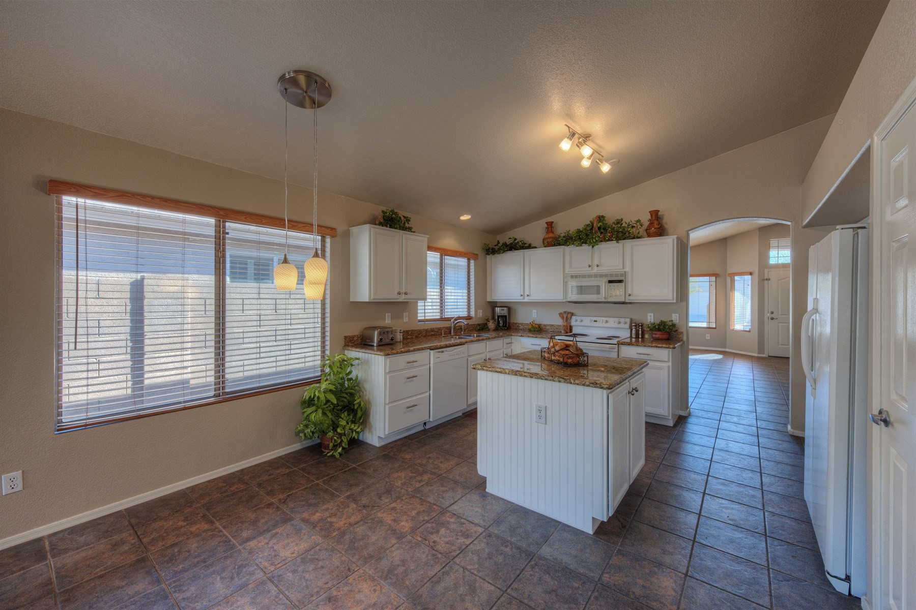 Single Family Home for Sale at Meticulously maintained home in the desirable Tatum Highlands 4322 E Tether Trl Phoenix, Arizona, 85050 United States