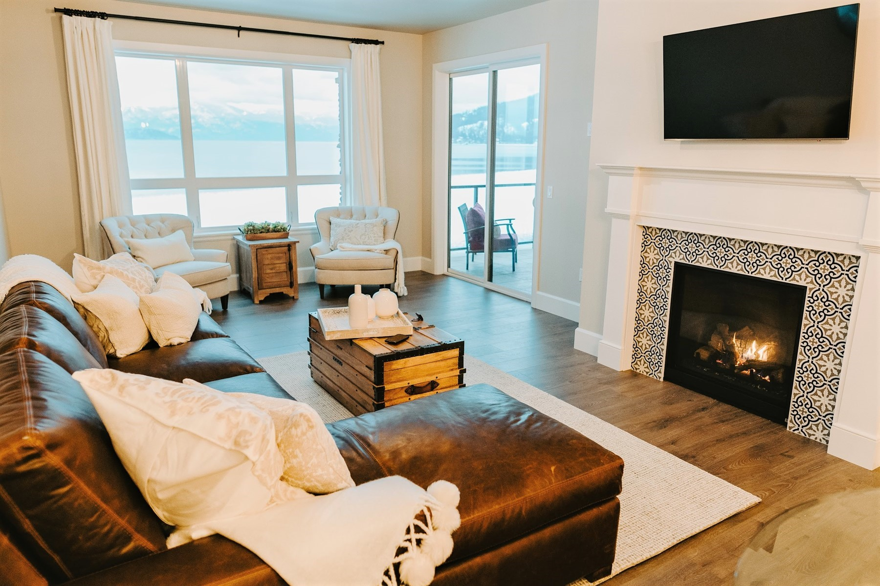 Single Family Homes for Sale at Renovated 1st Floor Residence at Seasons 702 Sandpoint Avenue #7110 Sandpoint, Idaho 83864 United States