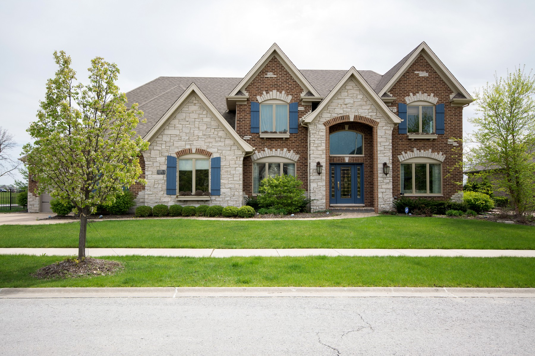 Single Family Home for Sale at Beautiful Custom Home 10715 Millers Way Orland Park, Illinois 60467 United States