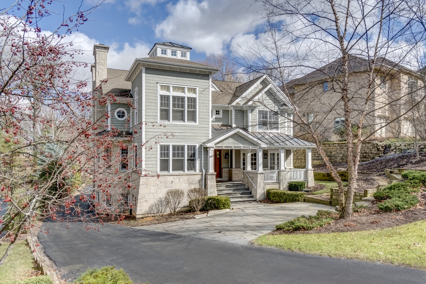 Single Family Home for Sale at Beautiful Home with Modern and Luxurious Finishes 845 N Washington Street, Hinsdale, Illinois, 60521 United States