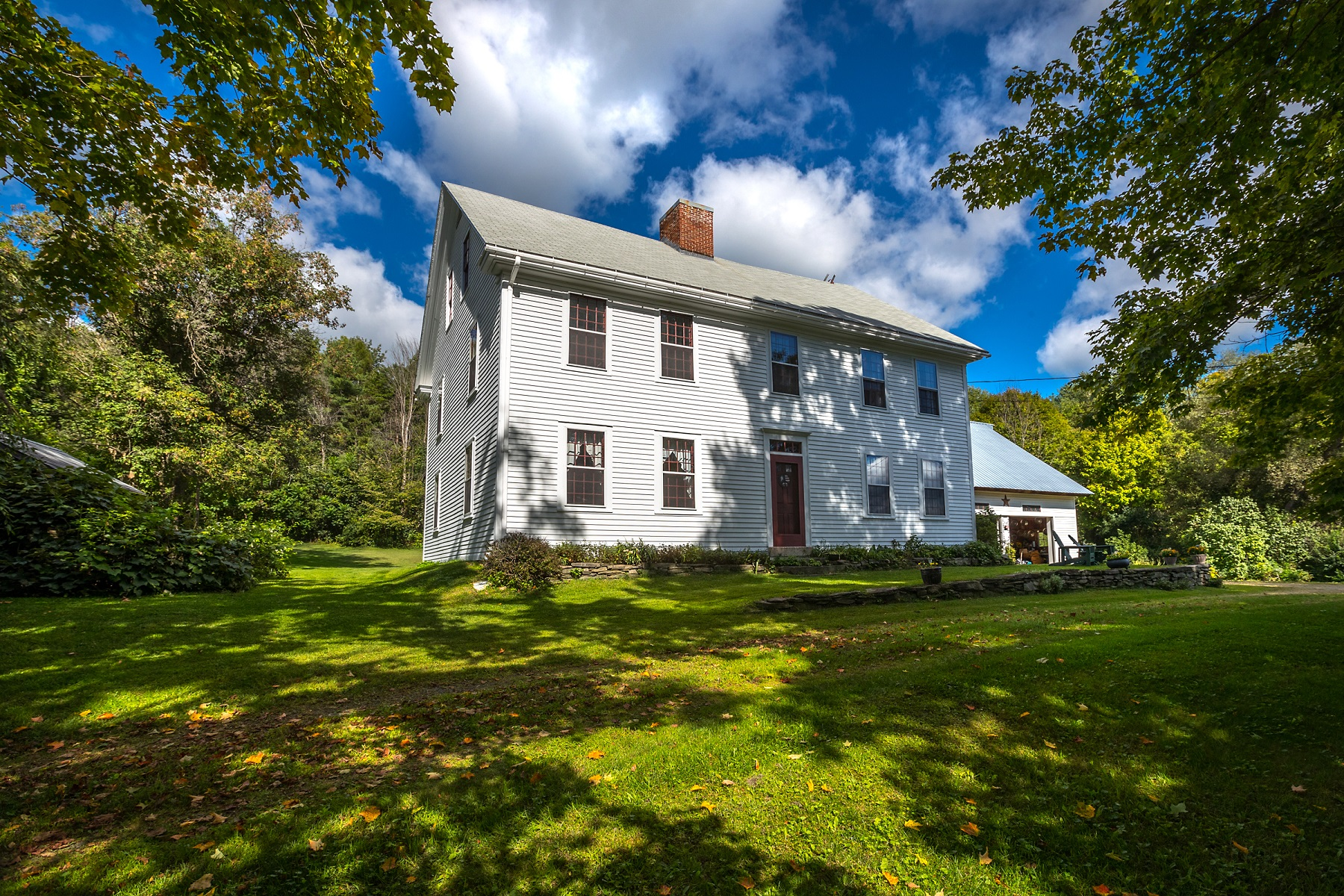 Single Family Home for Sale at Antique Home 5769 Route 14 Hartford, Vermont 05084 United States