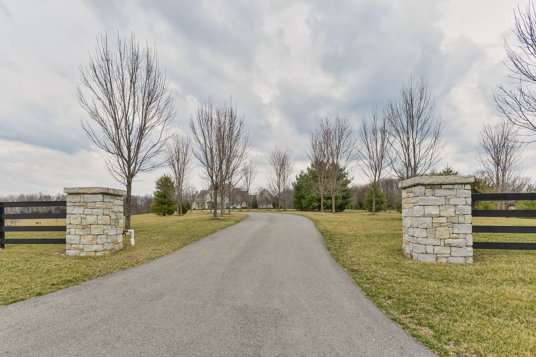 Additional photo for property listing at 118 Wetherby Avenue  Bardstown, Kentucky 40014 United States