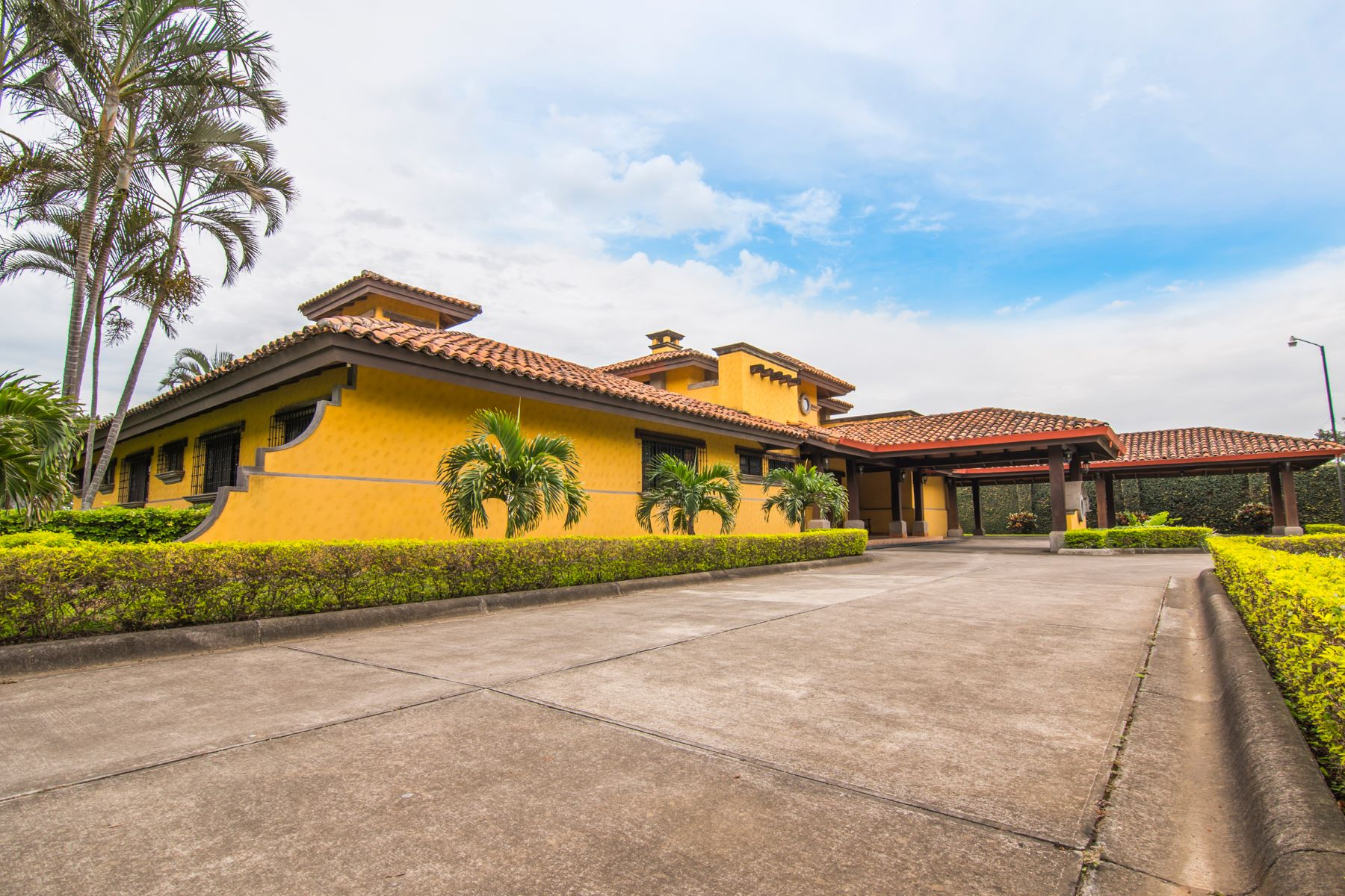 Additional photo for property listing at Premier Colonial Polo Field View Other Alajuela, Alajuela Costa Rica