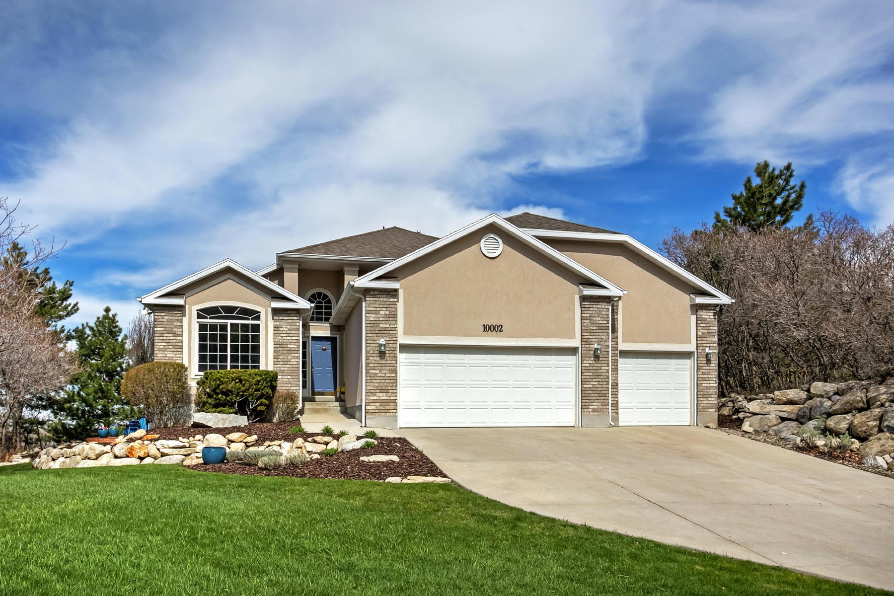 Casa para uma família para Venda às Open Concept Entertainers Dream 10002 S Stone Mountain Ln Sandy, Utah, 84092 Estados Unidos