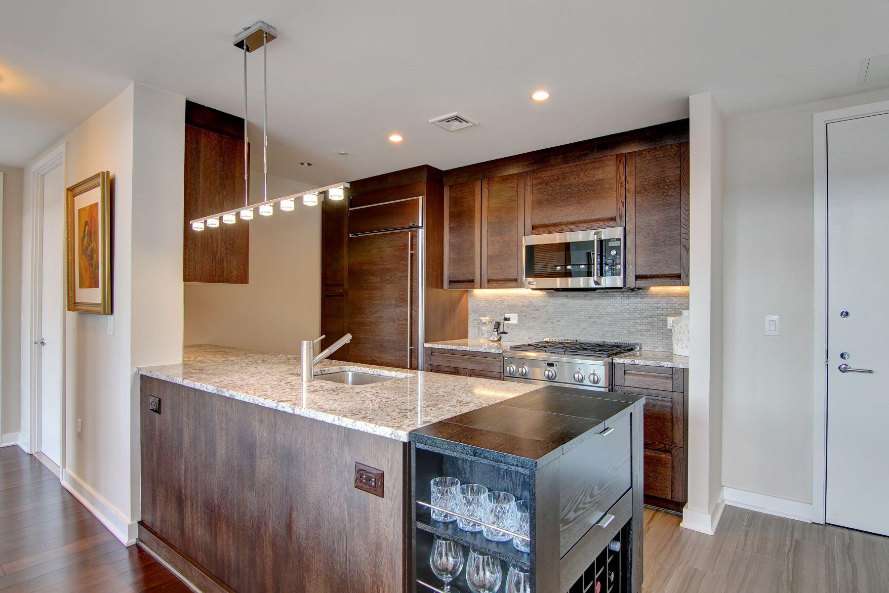Condomínio para Venda às World Class Luxury Awaits! 1000 Avenue At Port Imperial #708 Weehawken, Nova Jersey, 07086 Estados Unidos