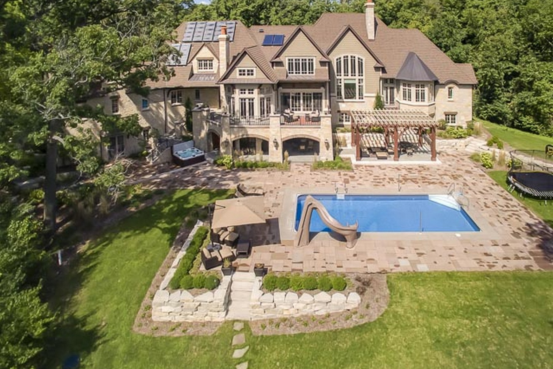 واحد منزل الأسرة للـ Sale في Custom Built Estate with Timeless Appeal 1210 Crown Fox Lane, New Lenox, Illinois, 60451 United States