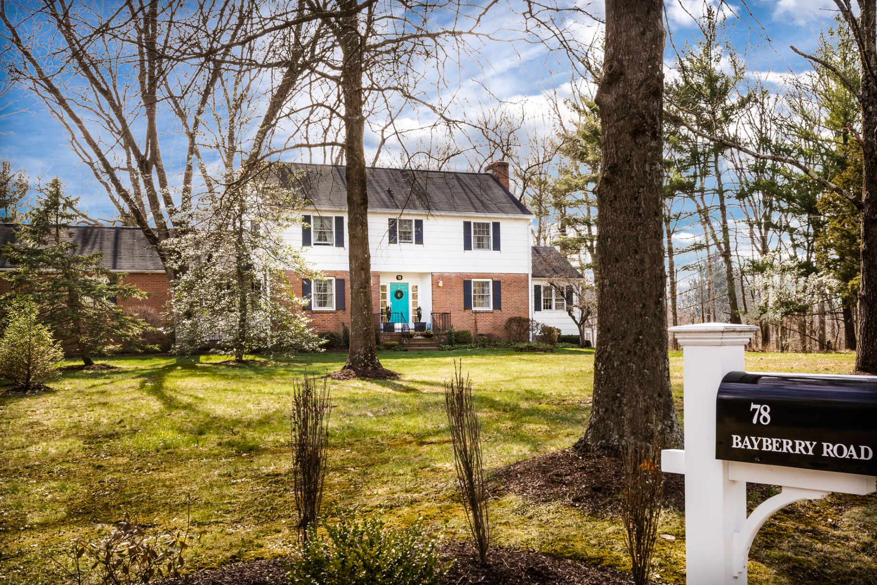 Villa per Vendita alle ore In Hopewell With A Princeton Address - Hopewell Township 78 Bayberry Road Princeton, New Jersey, 0854 Stati Uniti