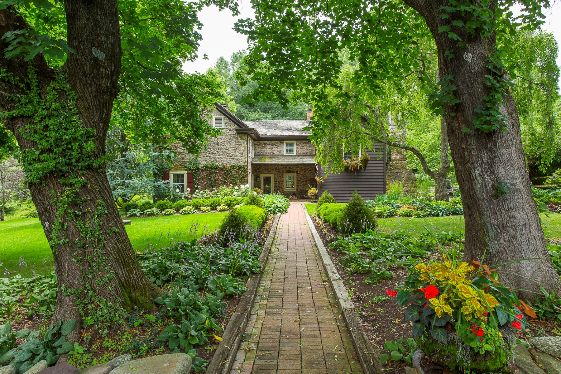 Additional photo for property listing at Serene Beauty in Pastoral Bucks County - Buckingham Township 5694 Carversville Road A, Carversville, Pennsylvania 18902 United States