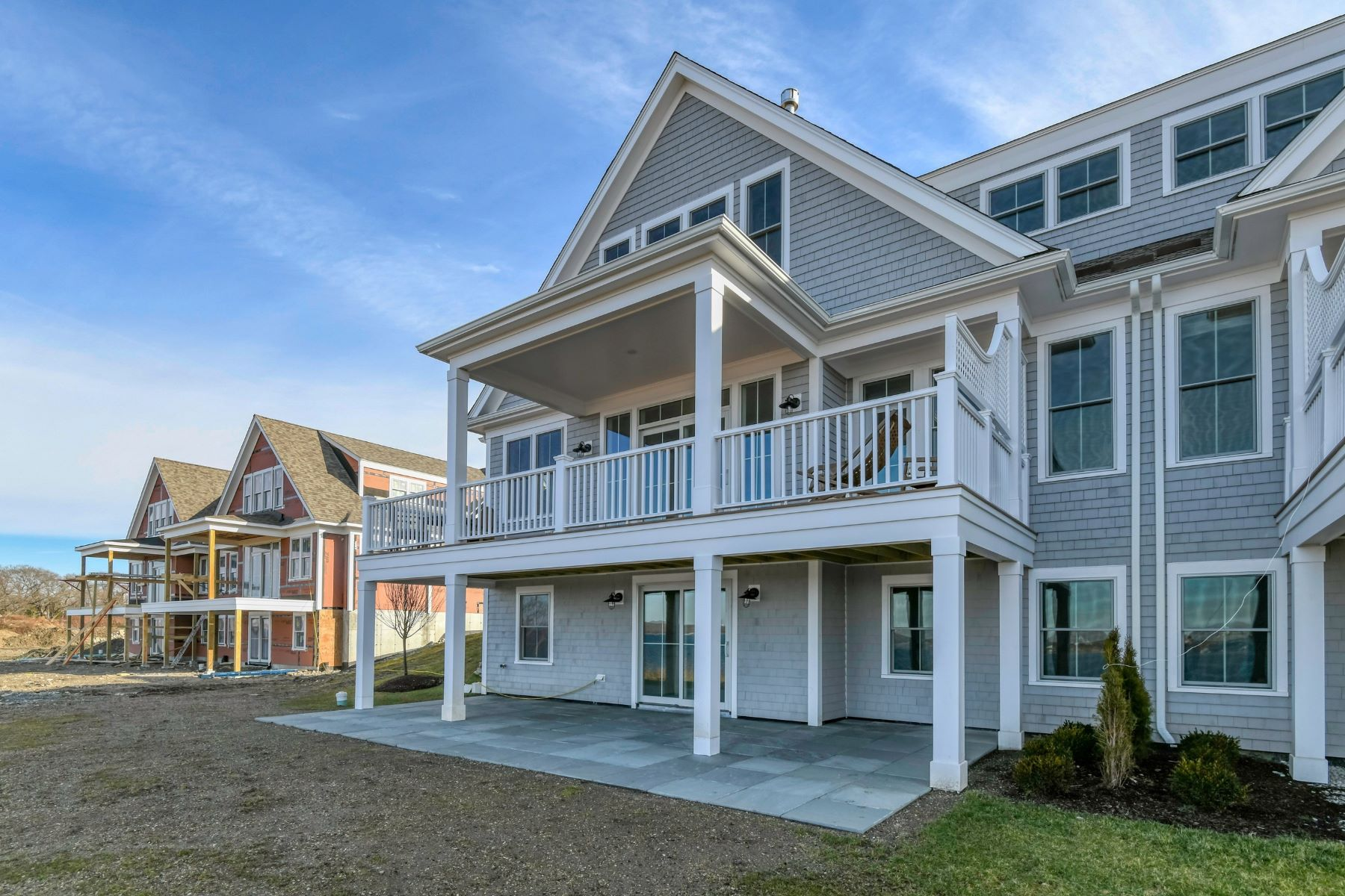 Additional photo for property listing at Luxury Condo at the Villages on Mount Hope Bay 139 Leeshore Lane Tiverton, Rhode Island 02878 United States