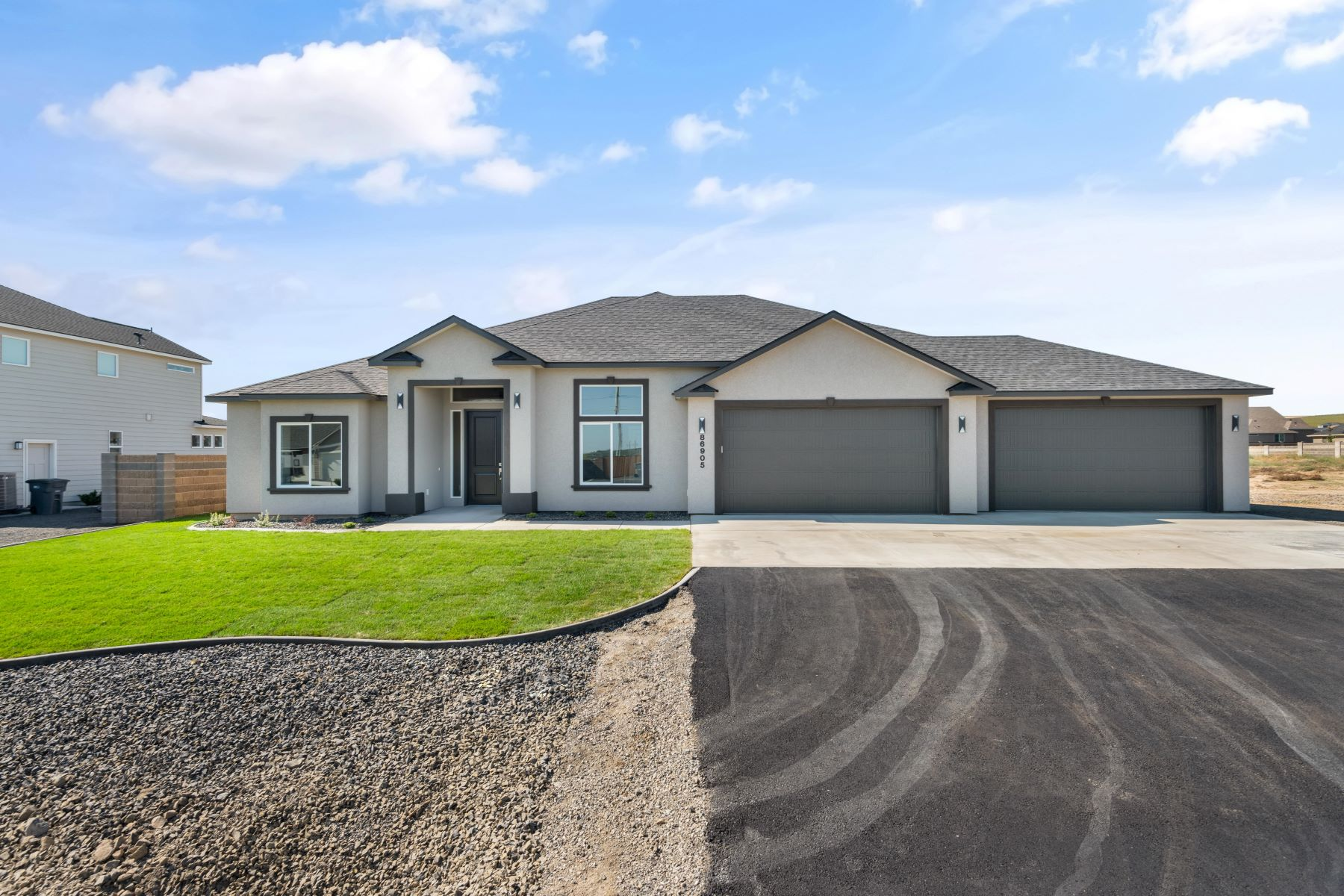 Single Family Homes por un Venta en New TMT Home 86703 Sagebrush Road Kennewick, Washington 99338 Estados Unidos
