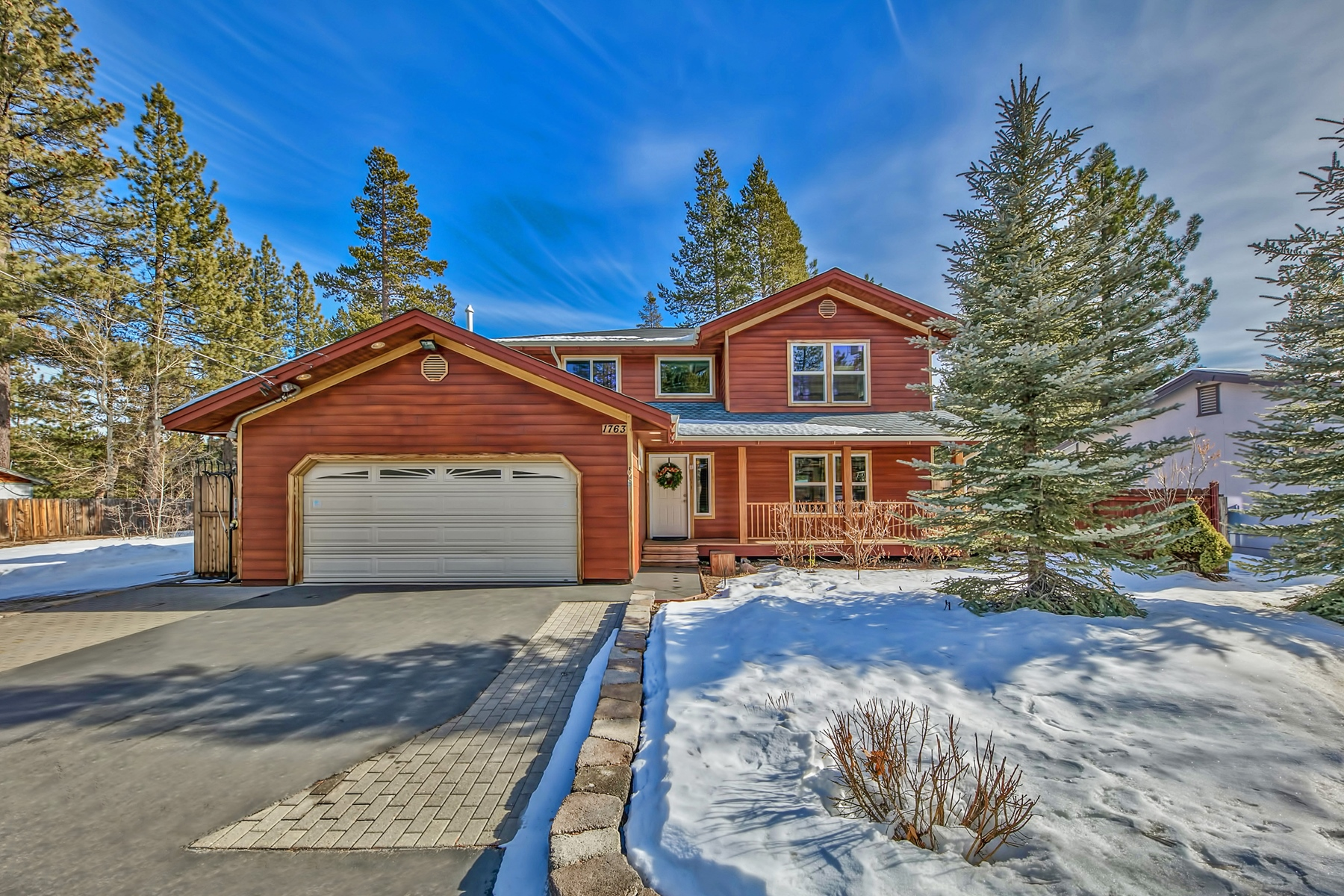 Single Family Home for Active at 1763 Arrowhead Ave, South Lake Tahoe, Ca 96150 1763 Arrowhead Ave. South Lake Tahoe, California 96150 United States
